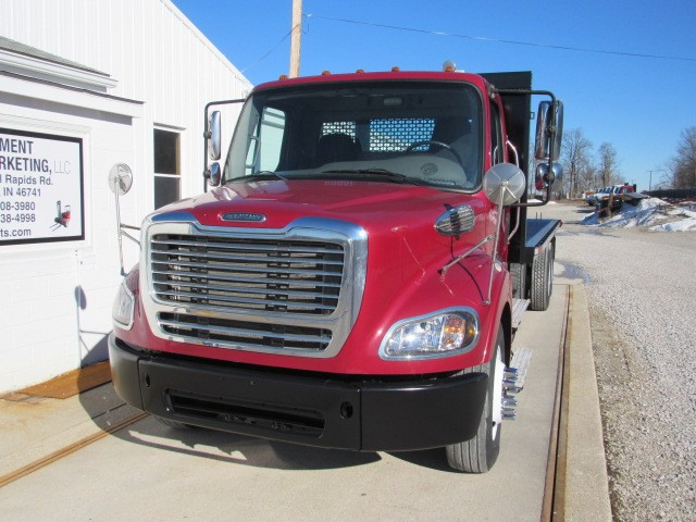 Used, 2014, Freightliner, M2 112, Flatbed Trucks