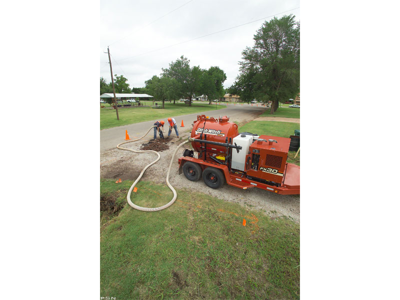 Used, 2011, Ditch Witch, FX30 - 500 gal., Vacuums