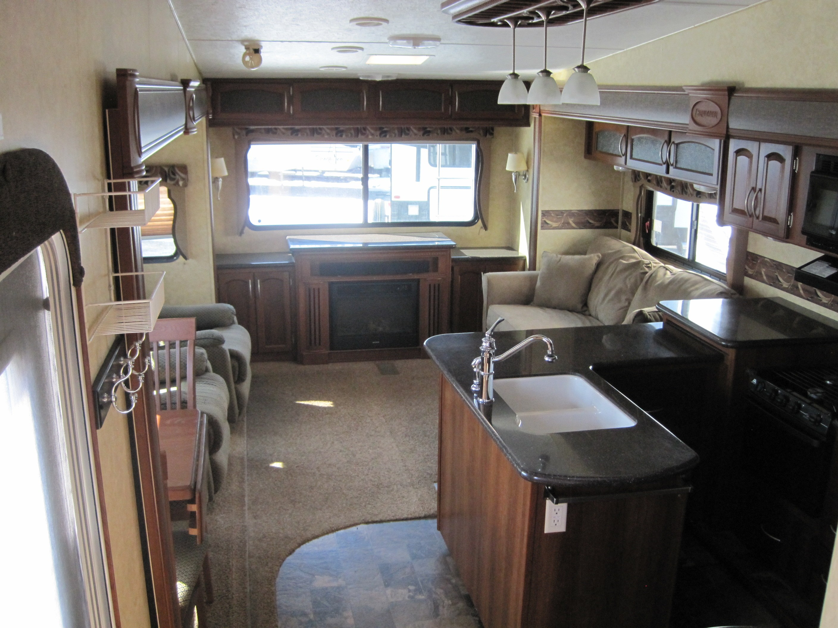 Used, 2012, Prime Time Manufacturing, Crusader 325RES, Fifth Wheels