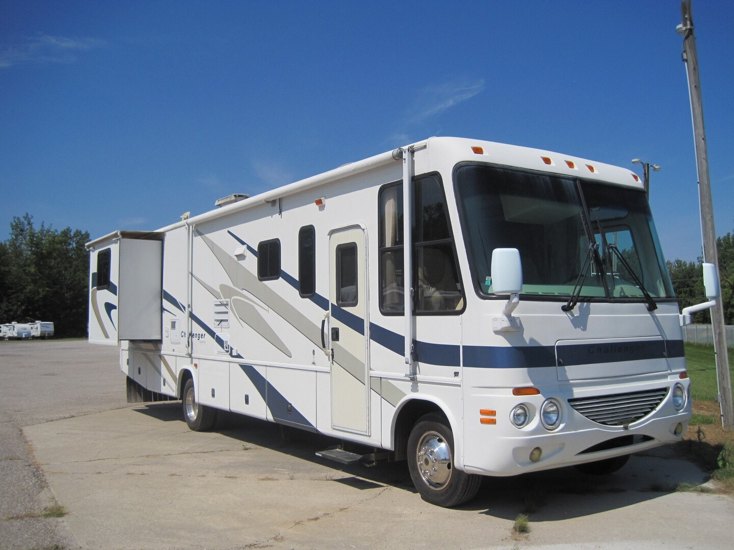 Used, 2004, Challenger by Thor Motor Coach, 348F, RV - Class A