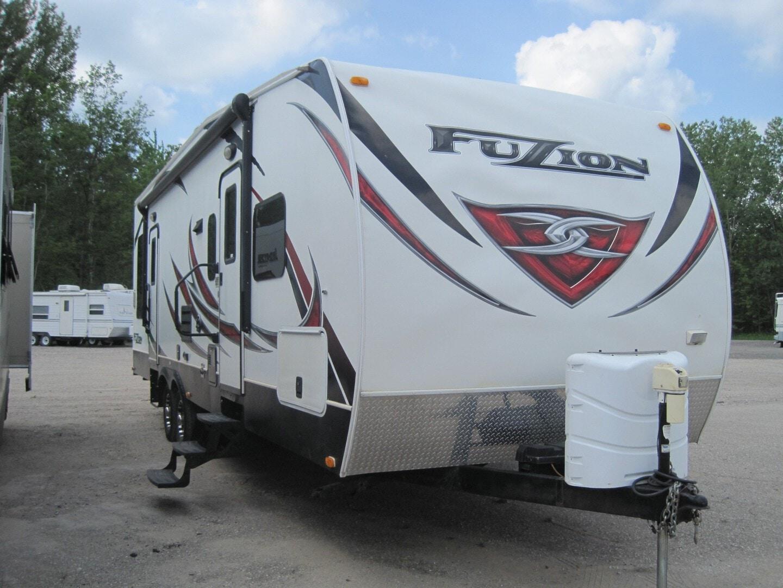 Used, 2013, Keystone, Fuzion 300, Toy Haulers