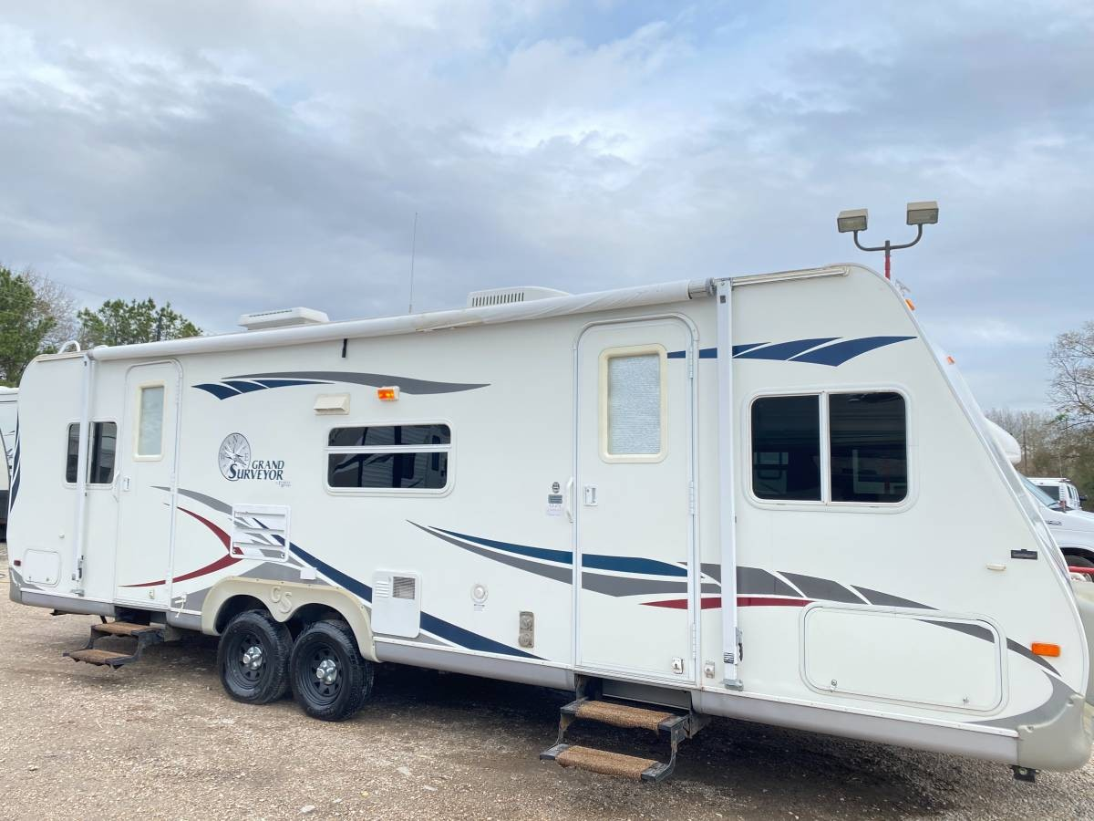 Used, 2007, Forest River, Grand Surveyor 28ft With Slide Out Lite Weight, Travel Trailers