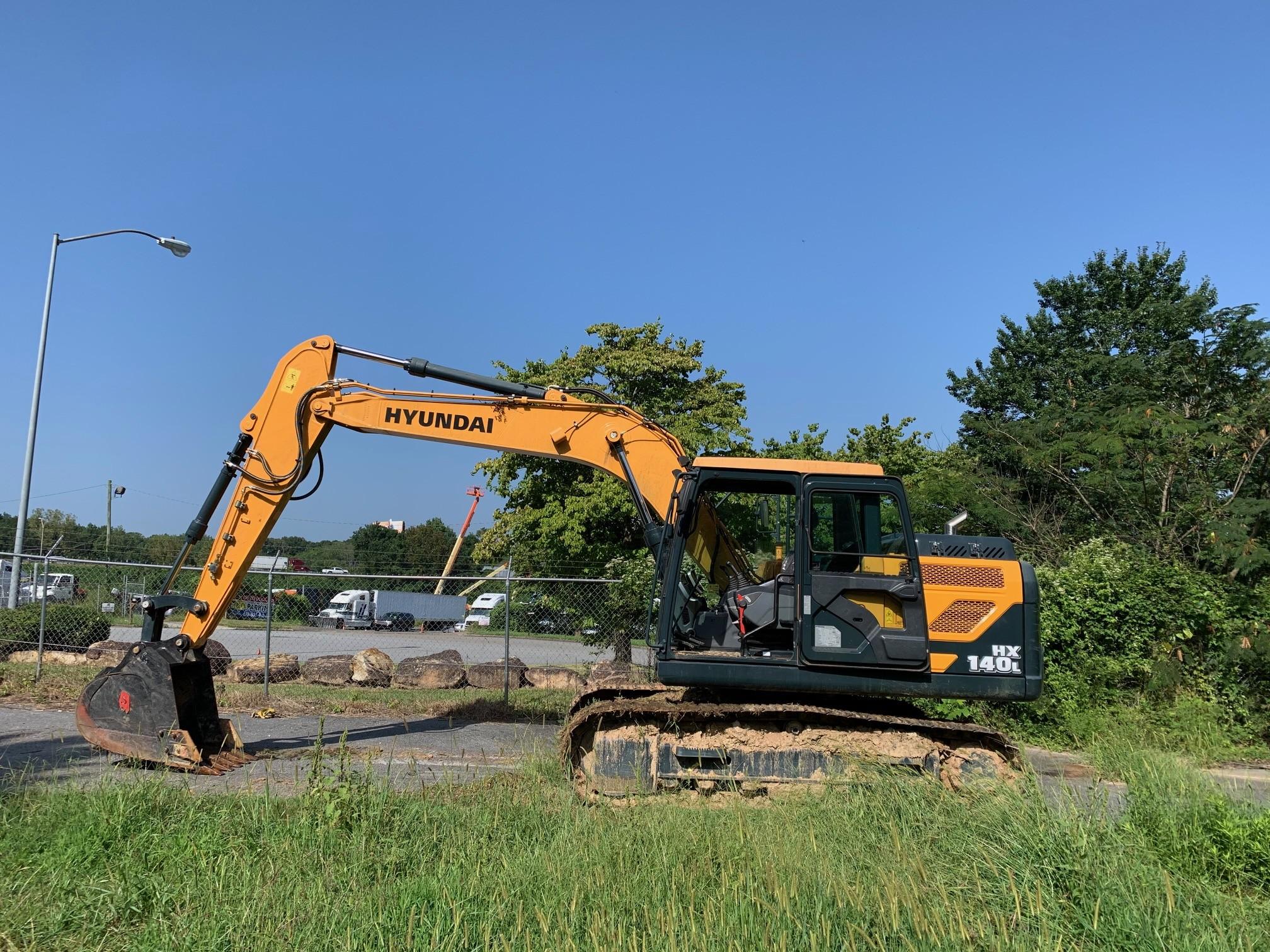 Used, 2018, Hyundai, HX140L, Excavators