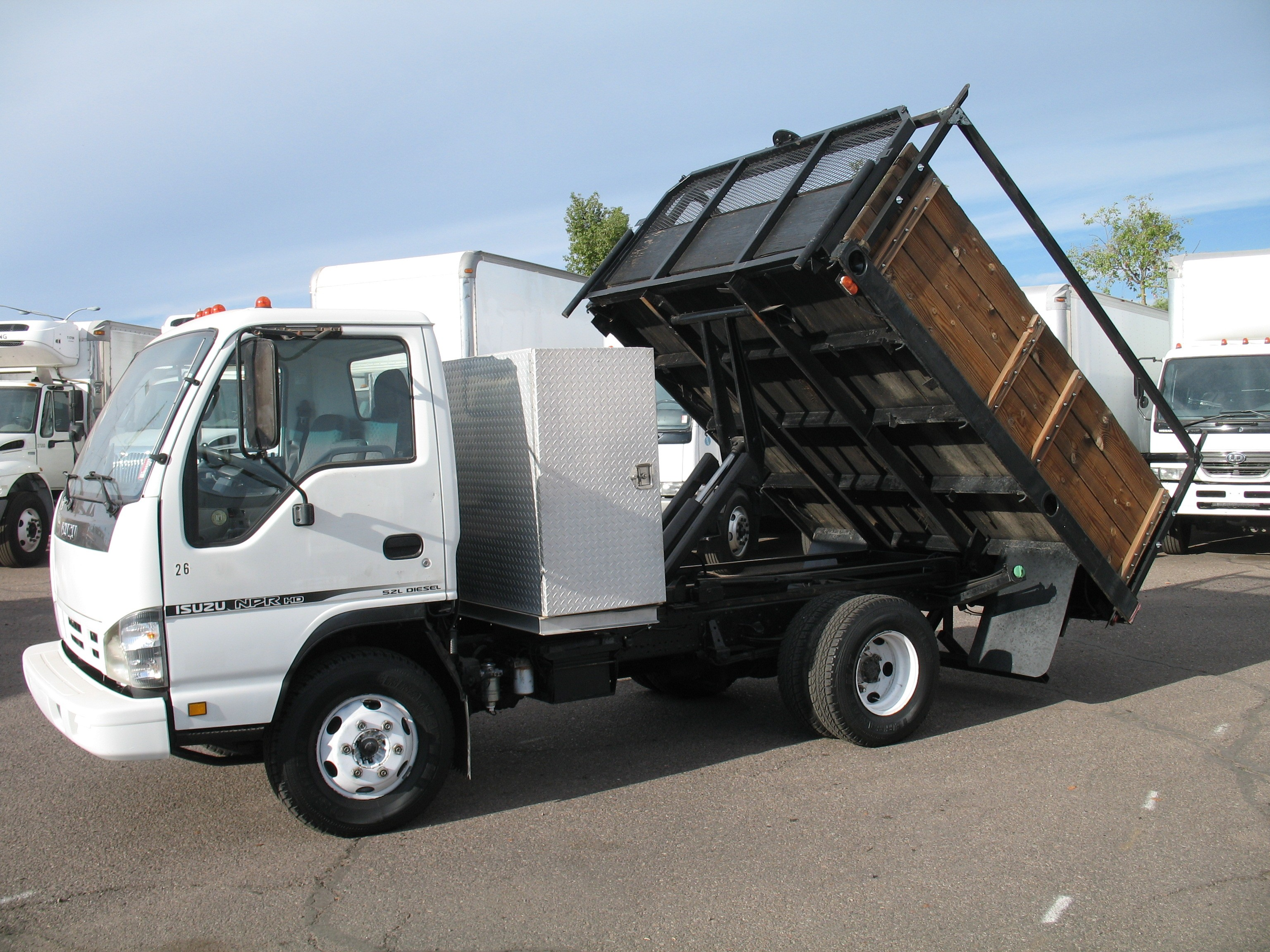 Used, 2006, Isuzu, NPR, Dump Trucks