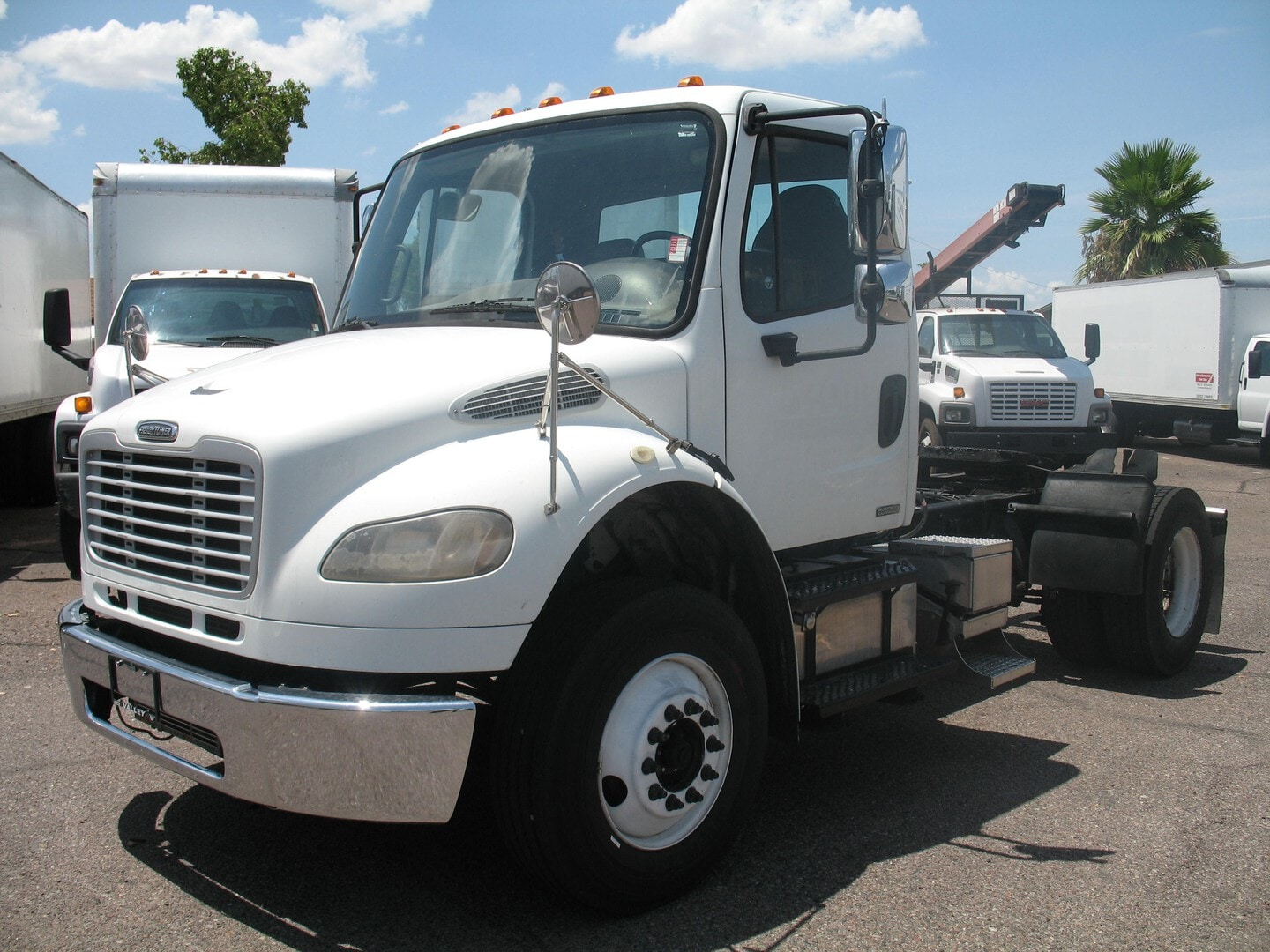 Used, 2009, Freightliner, M2 business class, Fifth Wheels