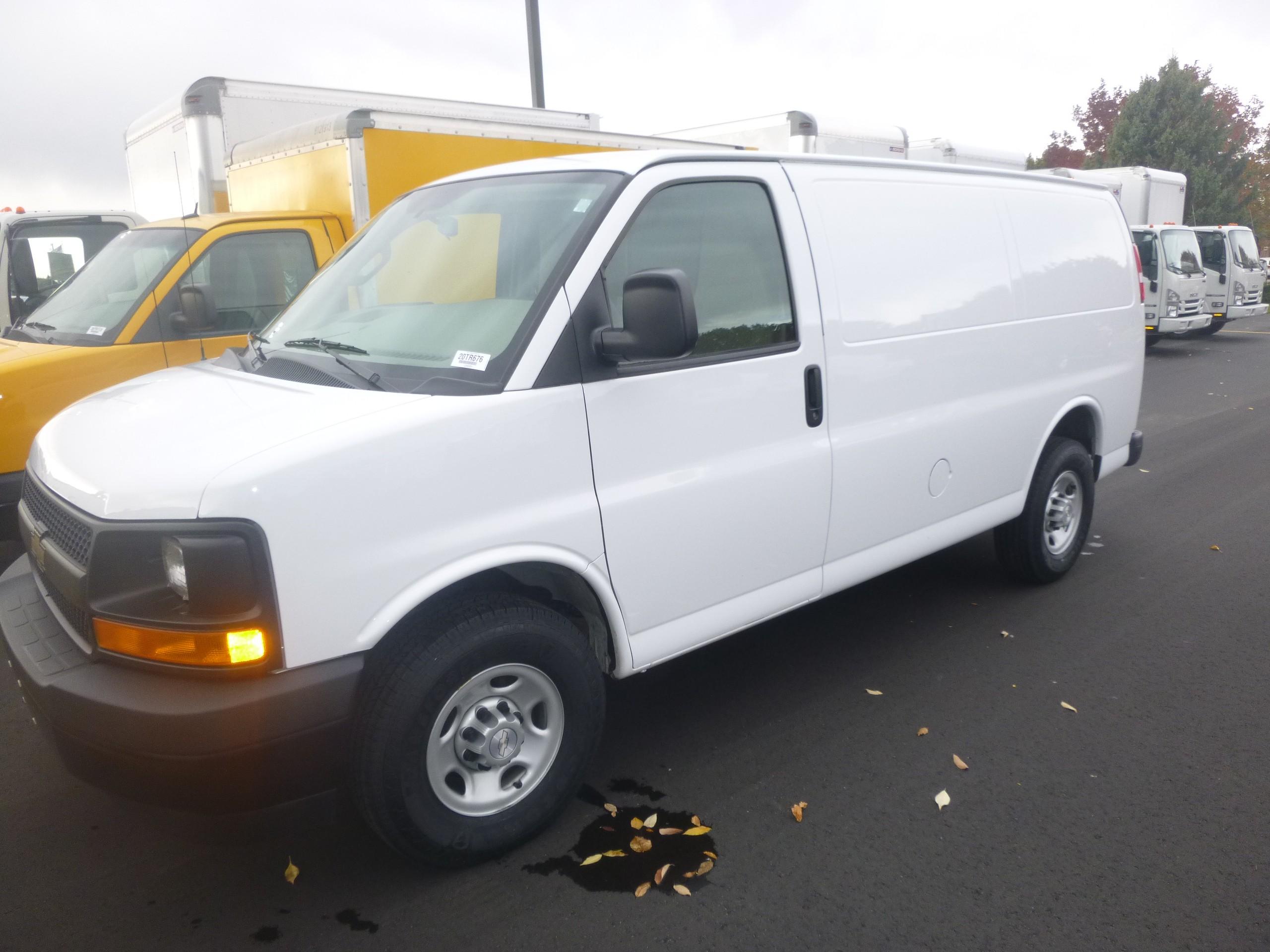 Used, 2017, Chevrolet, Express 2500 Cargo van, Vans