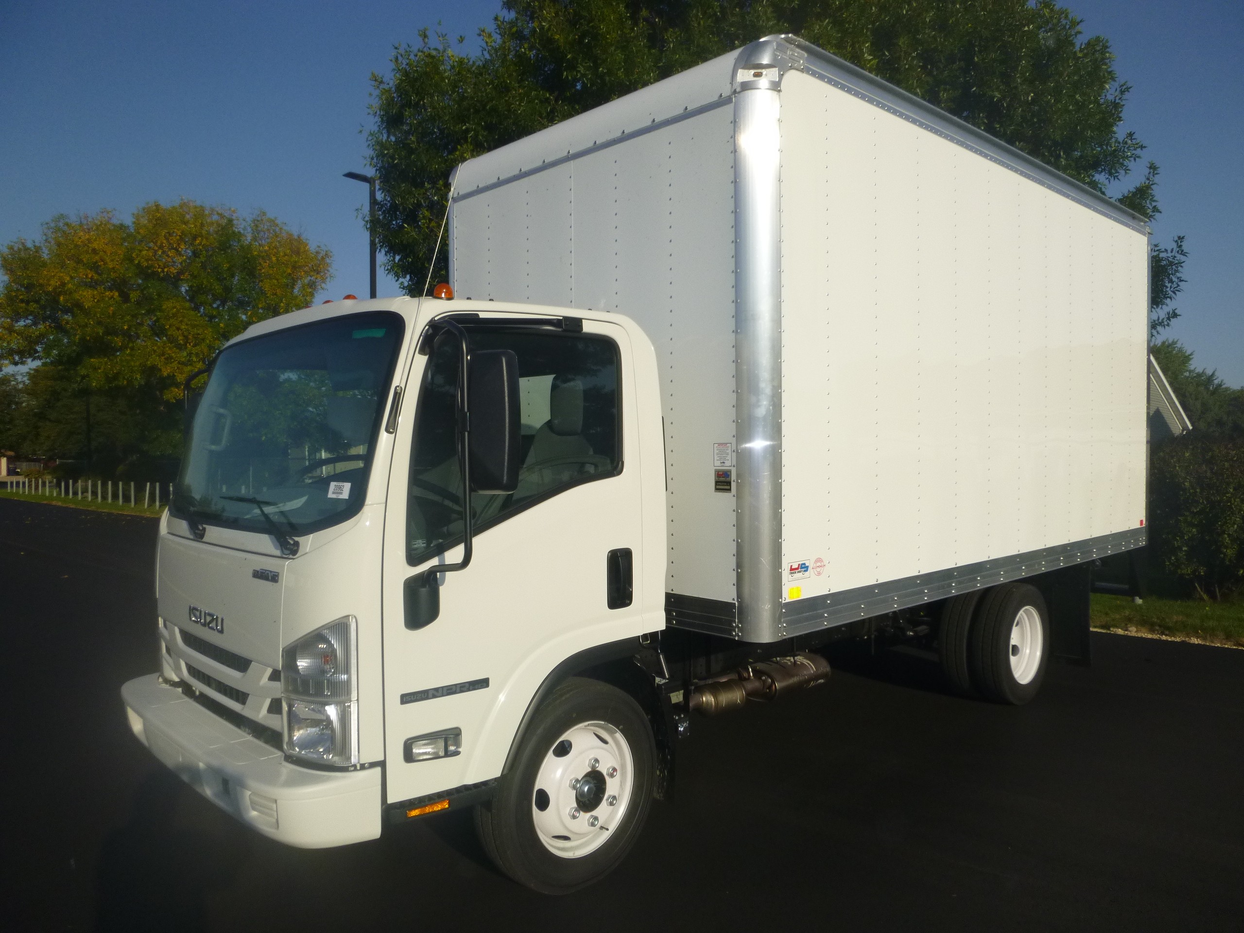 New, 2020, Isuzu, 2020 NPR-HD Gas/auto, Van Trucks
