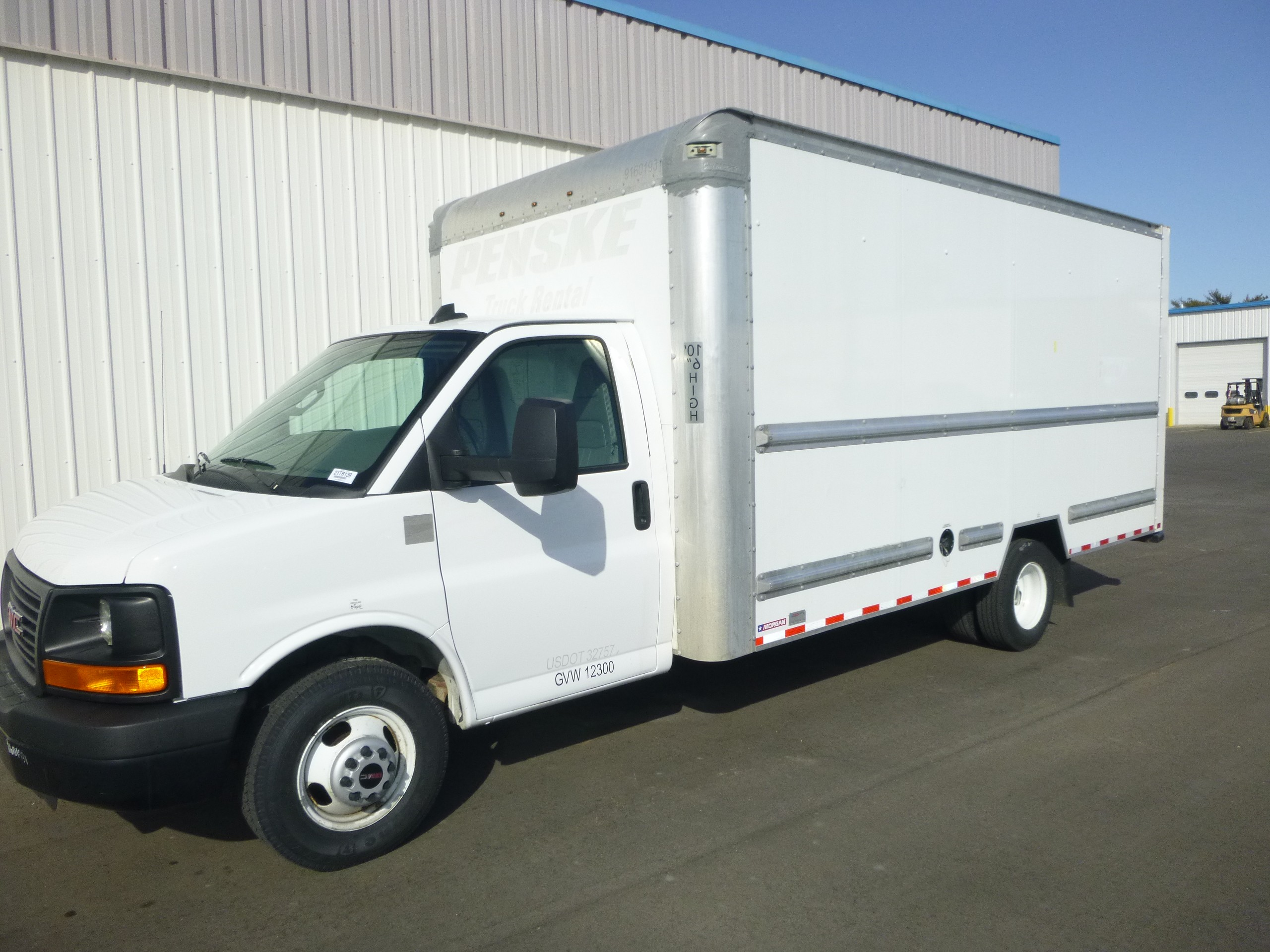 Used, 2016, GMC, Savana 3500 16' Cube van, Van Trucks