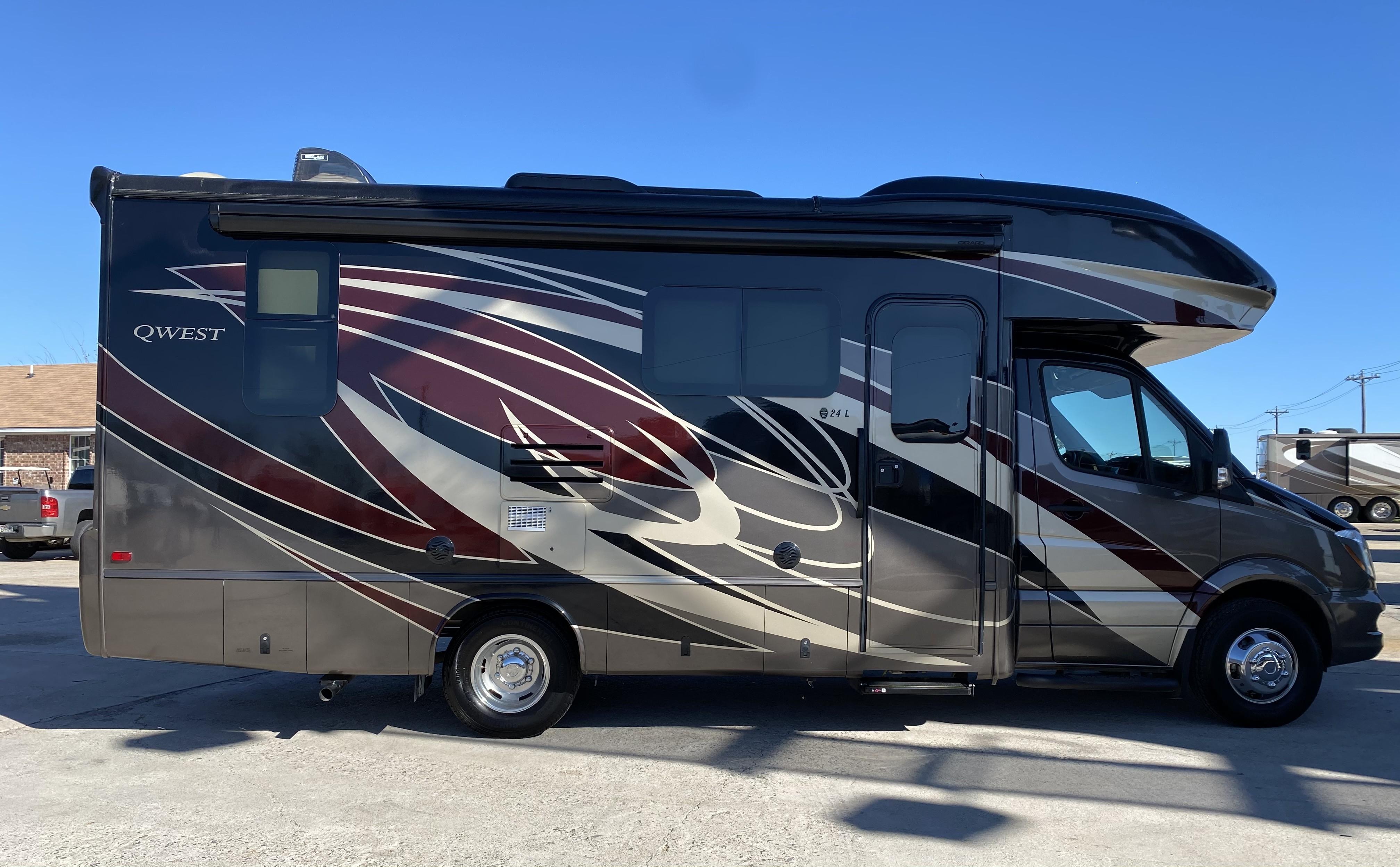 Used 2019 Entegra Coach Mercedes-Benz QWEST 24L in Royse City, TX