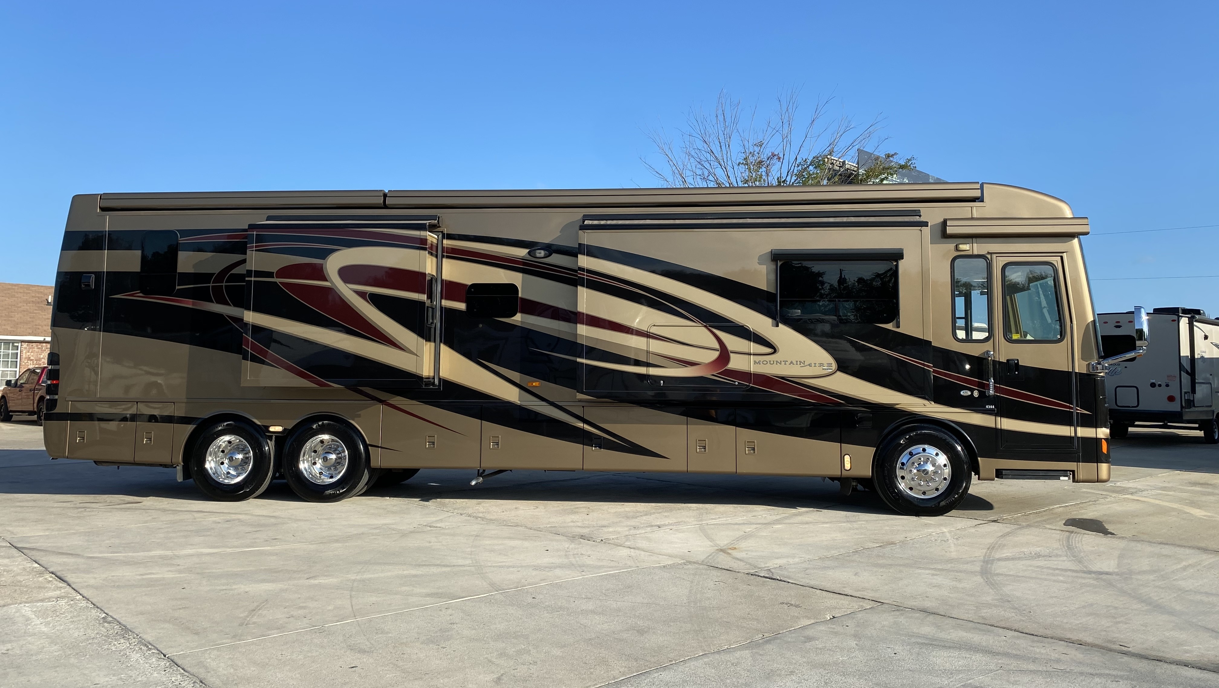 Used, 2011, Newmar, Mountain Aire 4344, RV - Class A