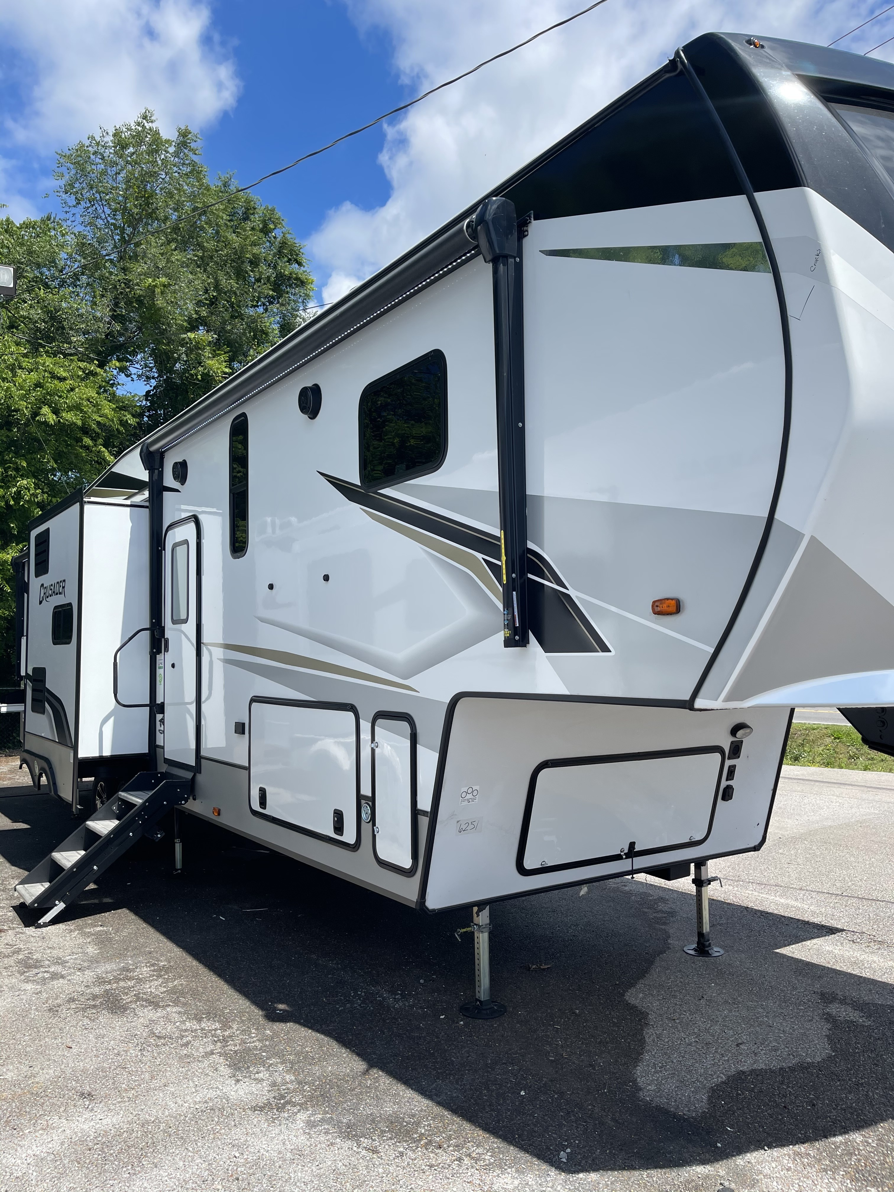New, 2021, Prime Time Manufacturing, 2021 Crusader 395BHL, Fifth Wheels