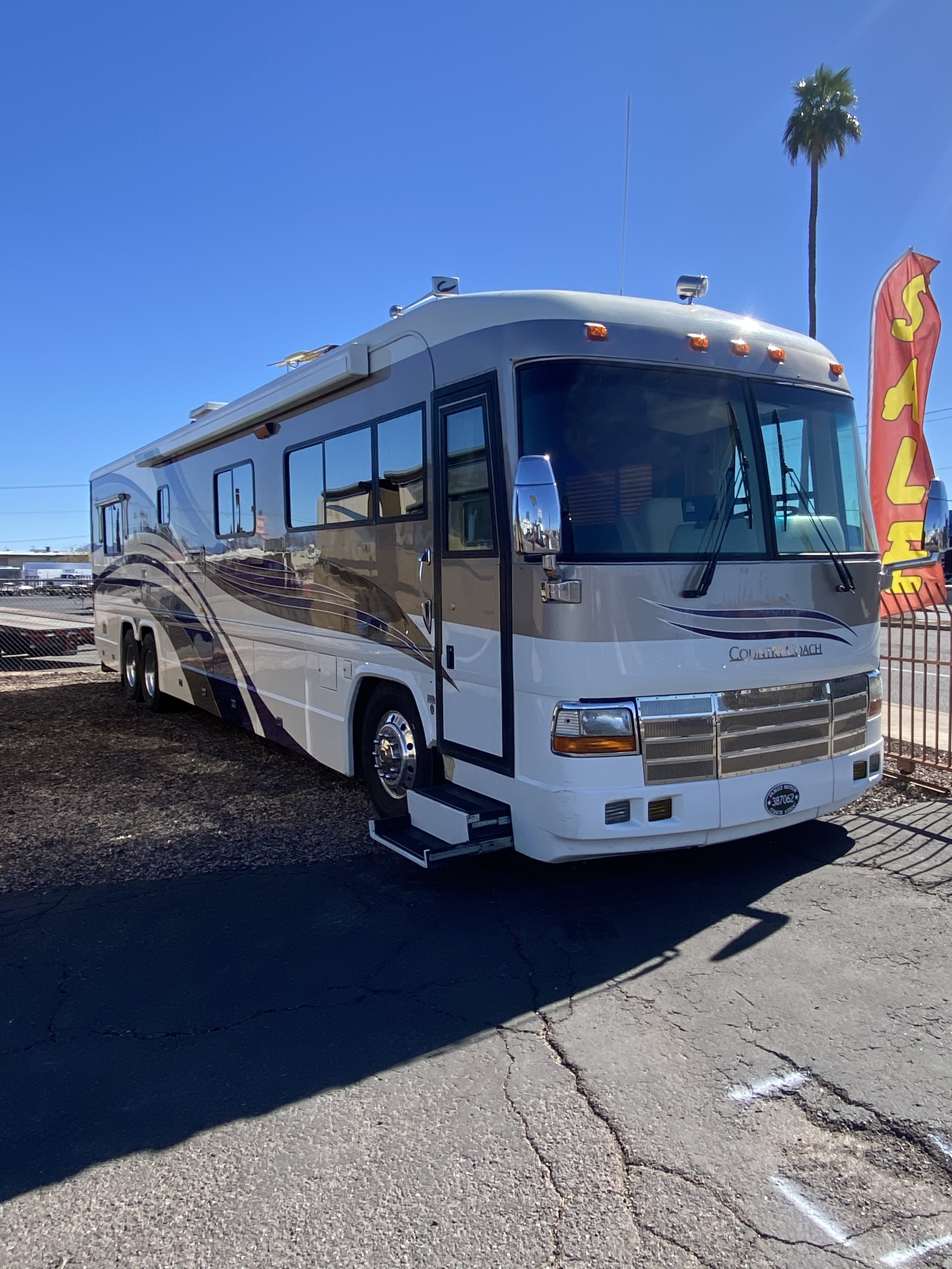 Used, 2001, Country Coach, Affinity 42' Double Slide, RV - Class A