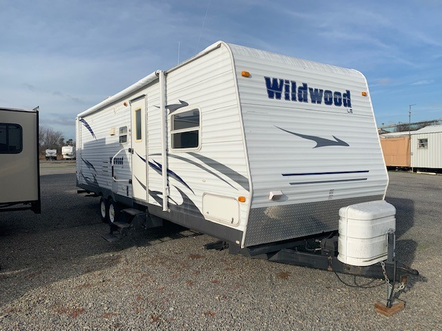 Used, 2008, Forest River, Wildwood 30BHBS, Travel Trailers