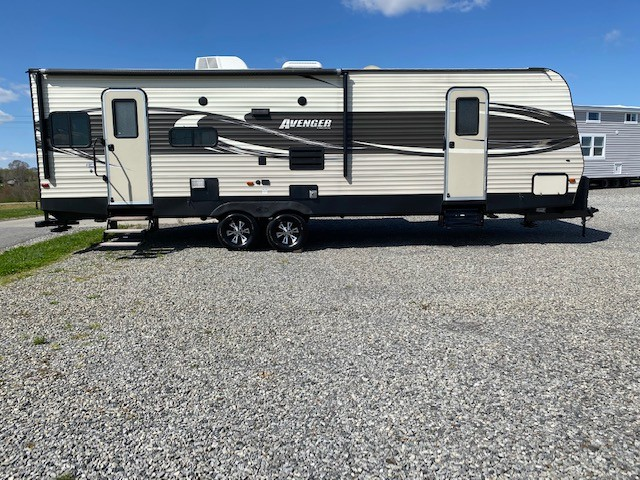 Used, 2017, Prime Time Manufacturing, Avenger 28RLS, Travel Trailers