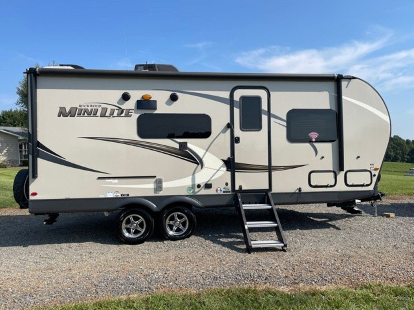 Used, 2020, Forest River, Rockwood Mini Lite 2204S, Travel Trailers