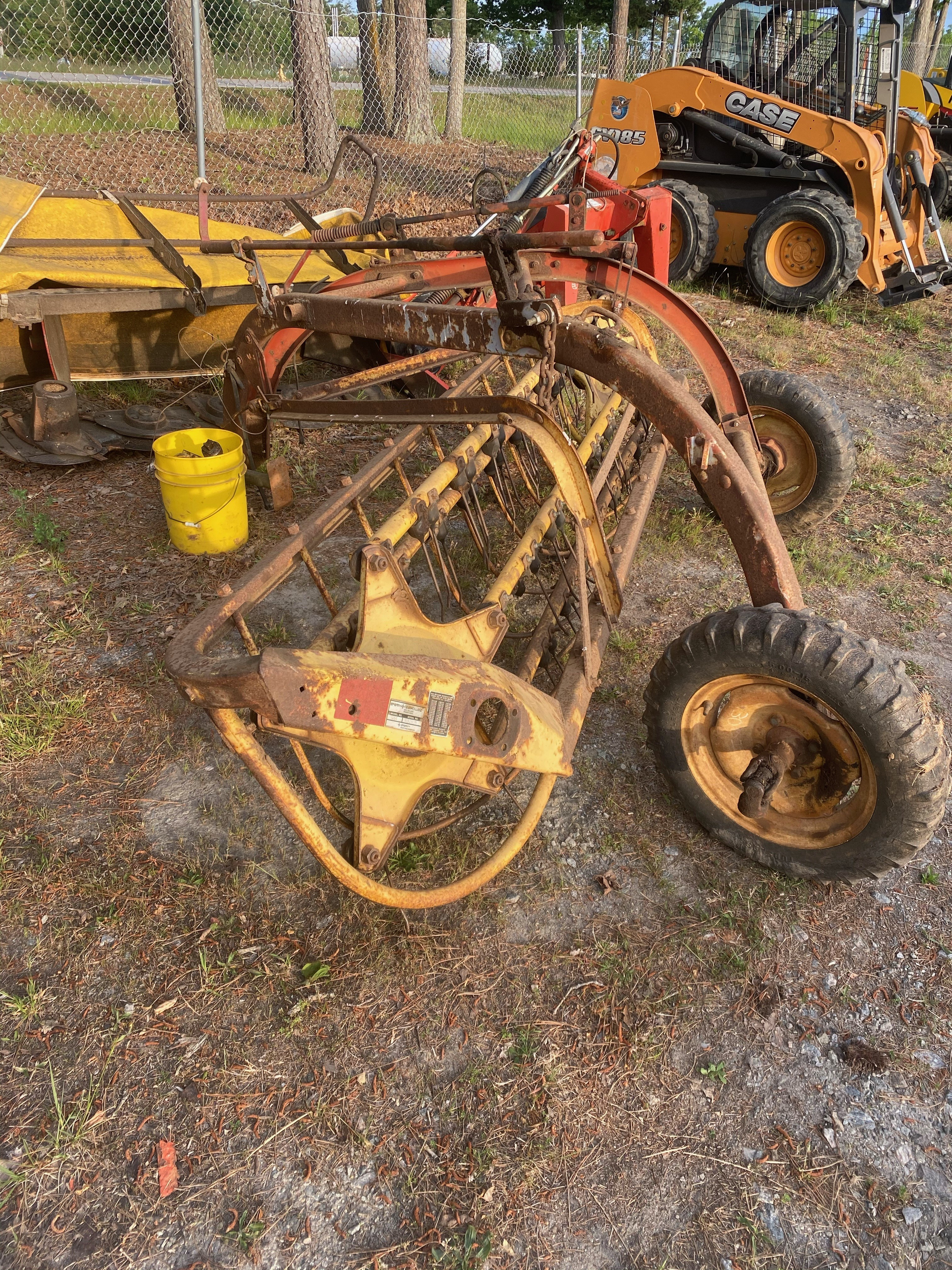 Used, 2021, New Holland Agriculture, 256 (Rolabar® Rakes), Lawn Mowers