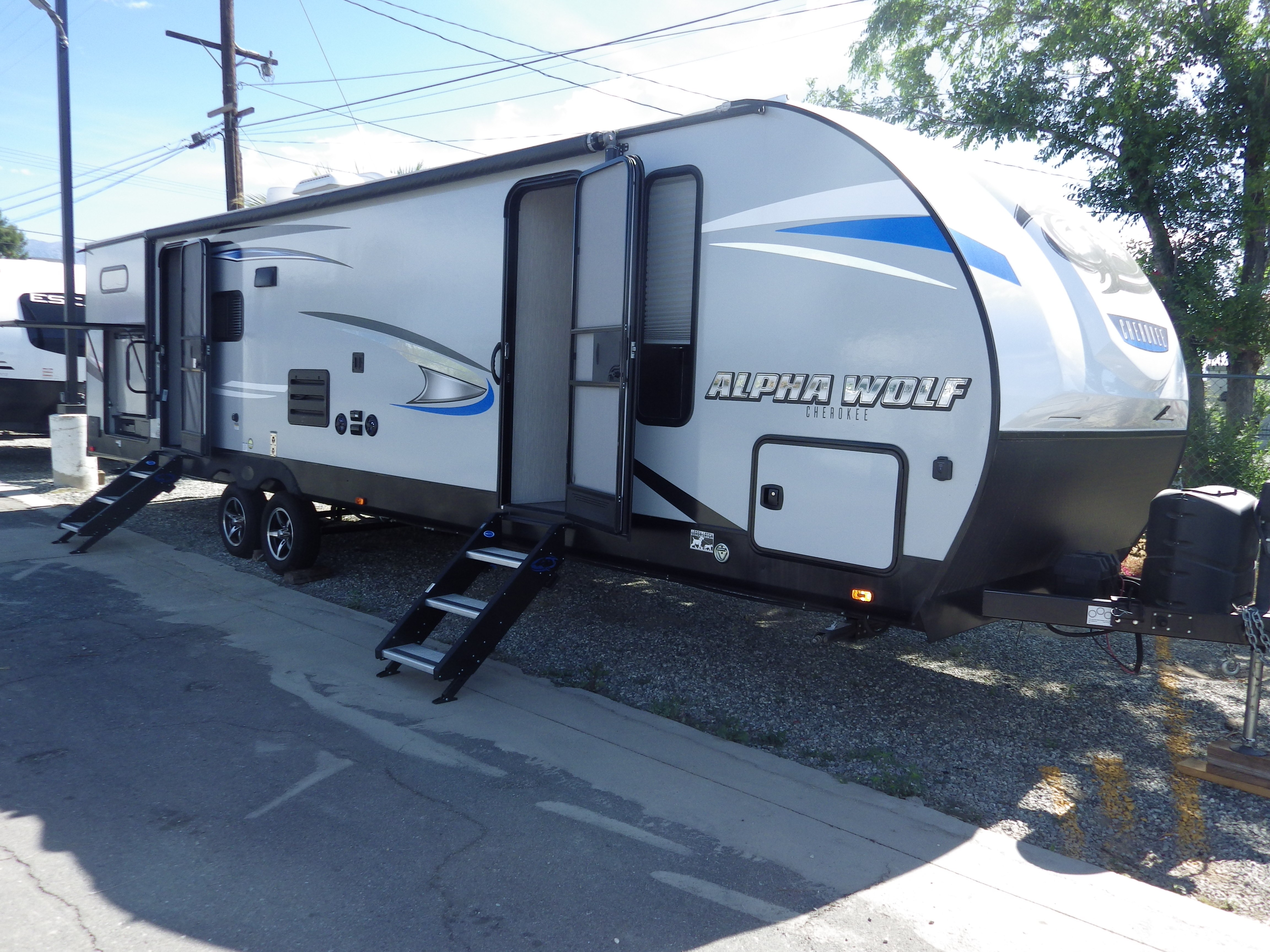 Used, 2020, Forest River, Cherokee Alpha Wolf 29QB-L, Travel Trailers
