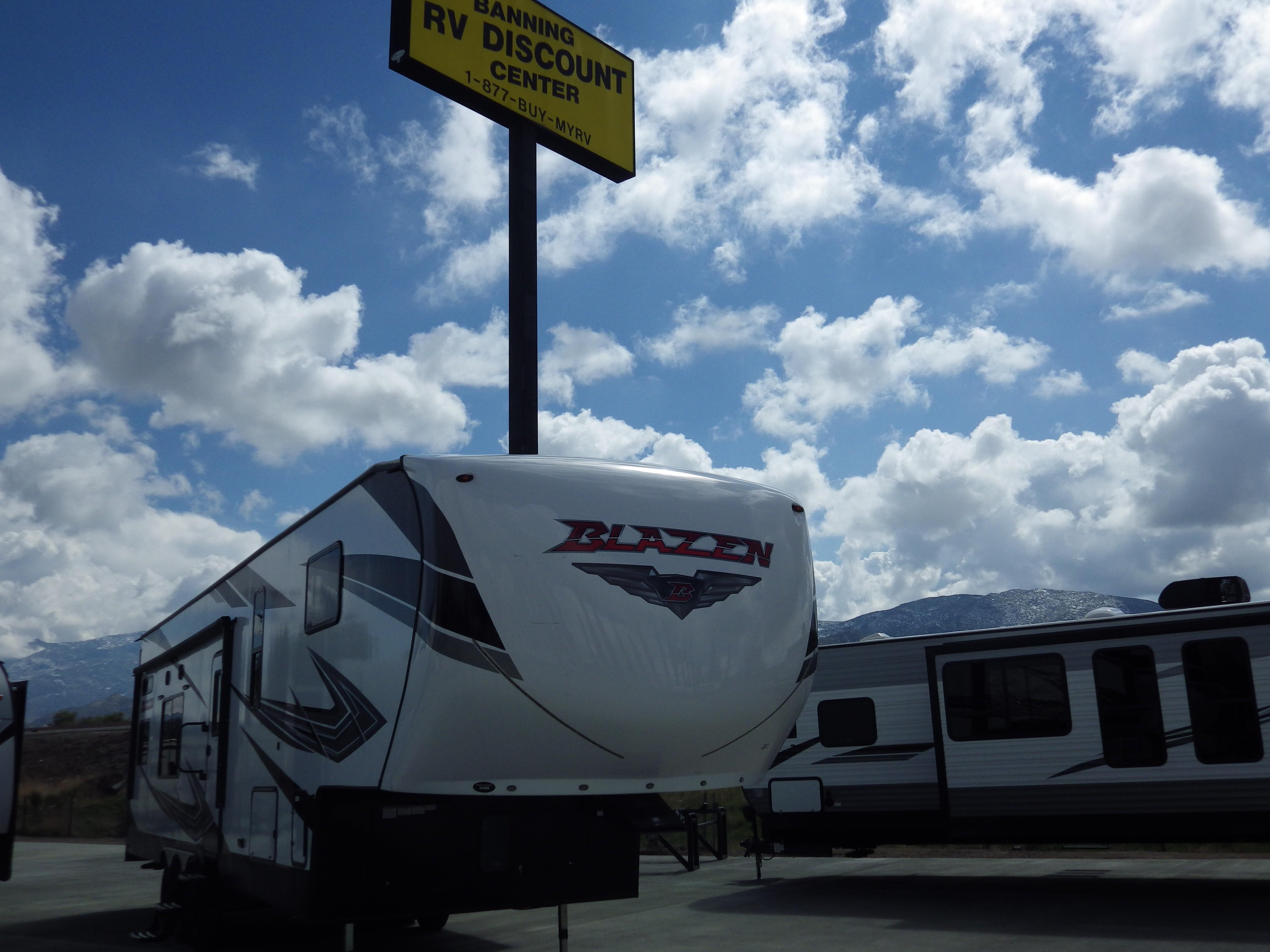 Used, 2021, Pacific Coachworks, BLAZEN 3400, Fifth Wheels