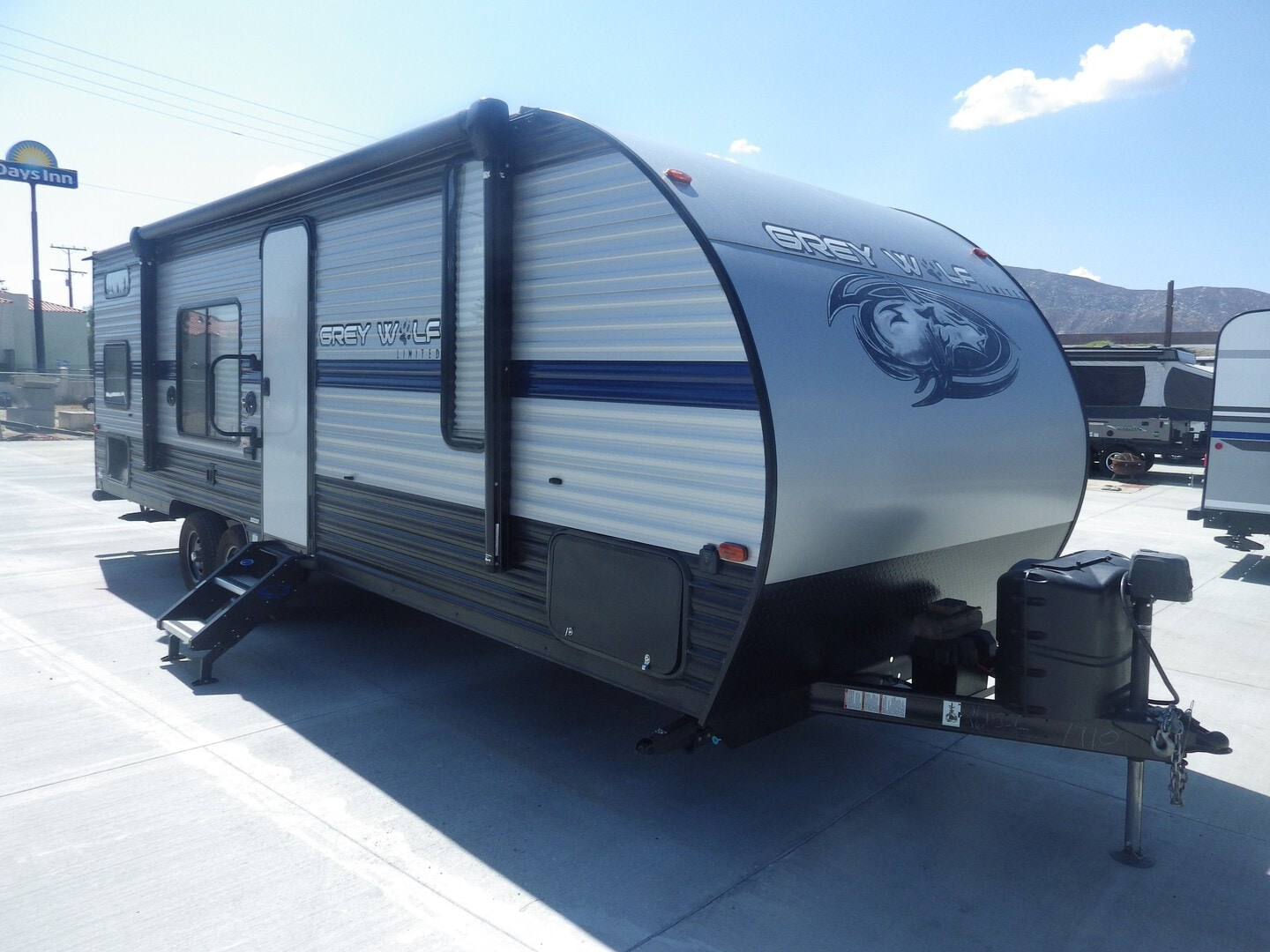 Used, 2020, Forest River, Cherokee Grey Wolf 26DJSE, Travel Trailers