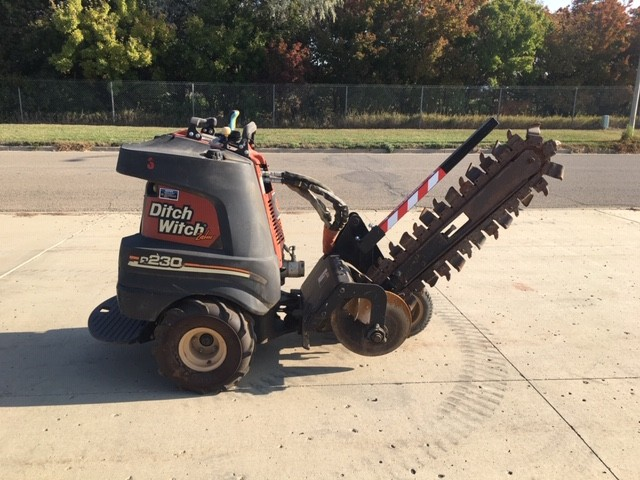 Used, 2008, Ditch Witch, Zahn - R230 4WD, Trenchers