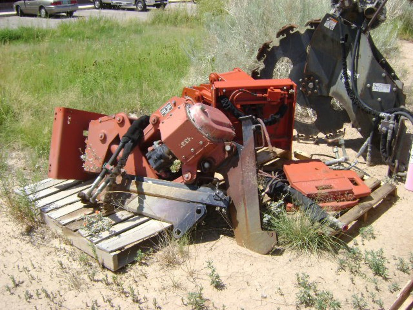 Used, 2002, Ditch Witch, H331 Vibratory Plow, Digging Attachments