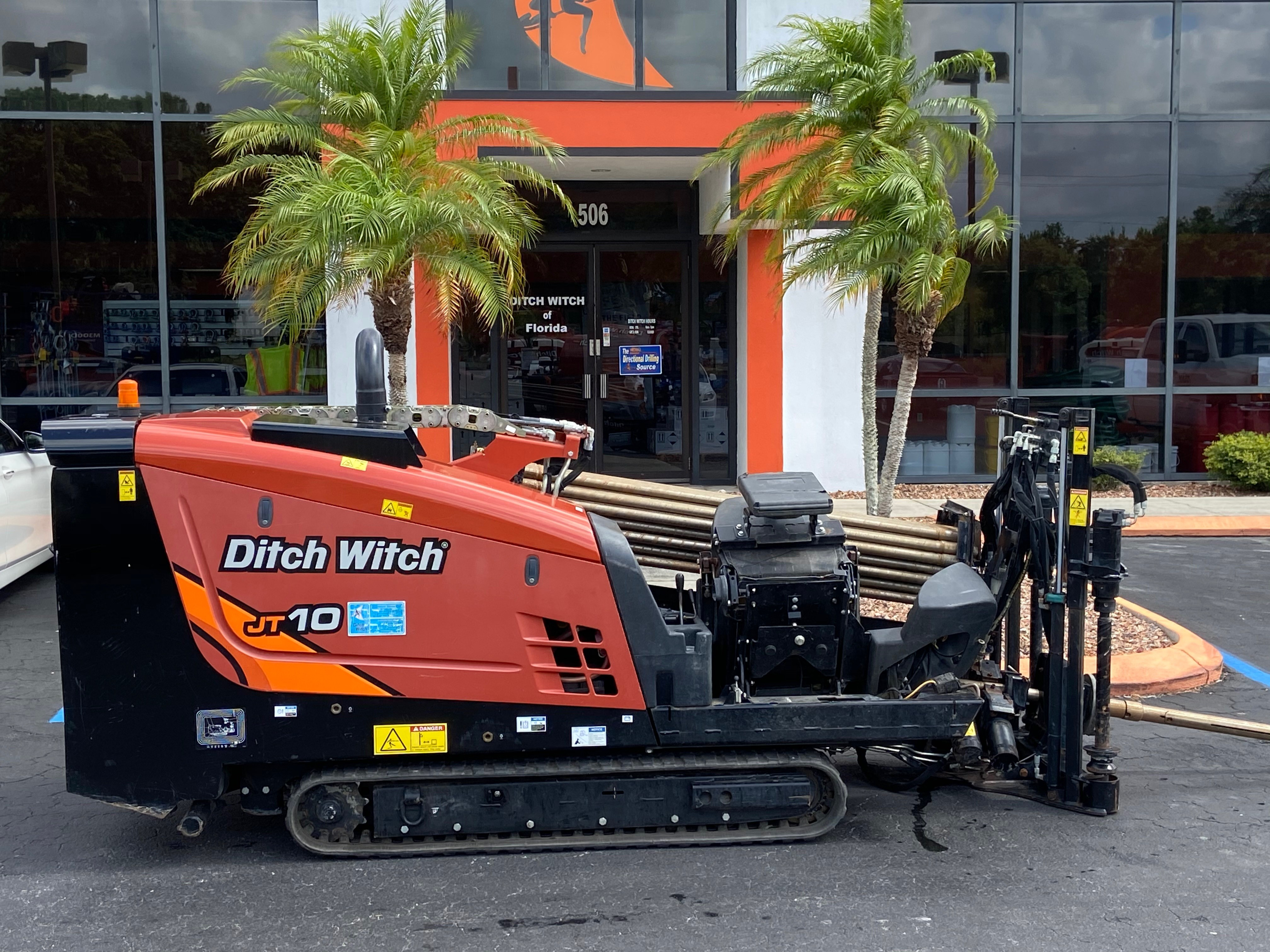 Used, 2018, Ditch Witch, JT10, 16 gpm, 300' Ditch Witch Fluid Miser Pipe, Housing and Bit, Boring / Drilling Machines