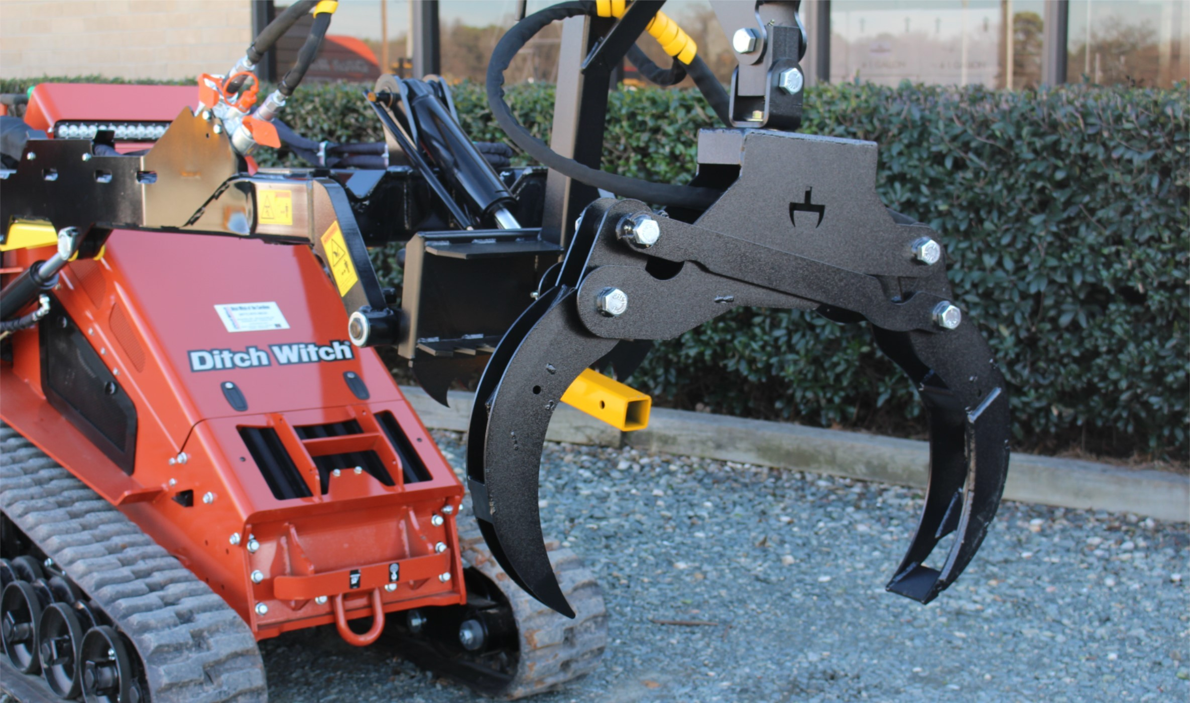 New, Other, Branch Manager Grapple TNE1001, Loader Attachments