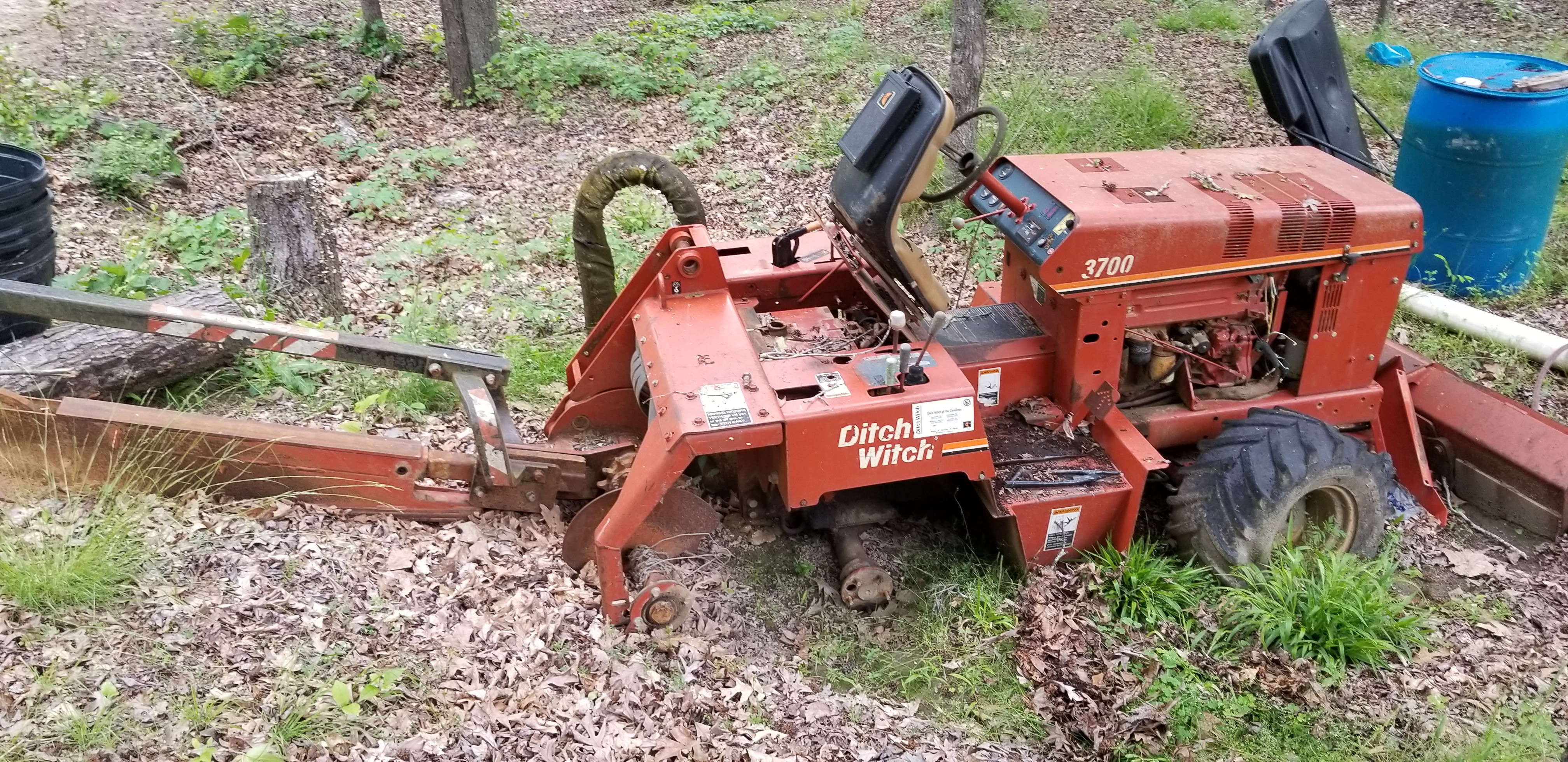 Ditch Witch, Used, Junk, Salvage, Parts, Tires, Trencher, Ride-on, 3700DD, tractor