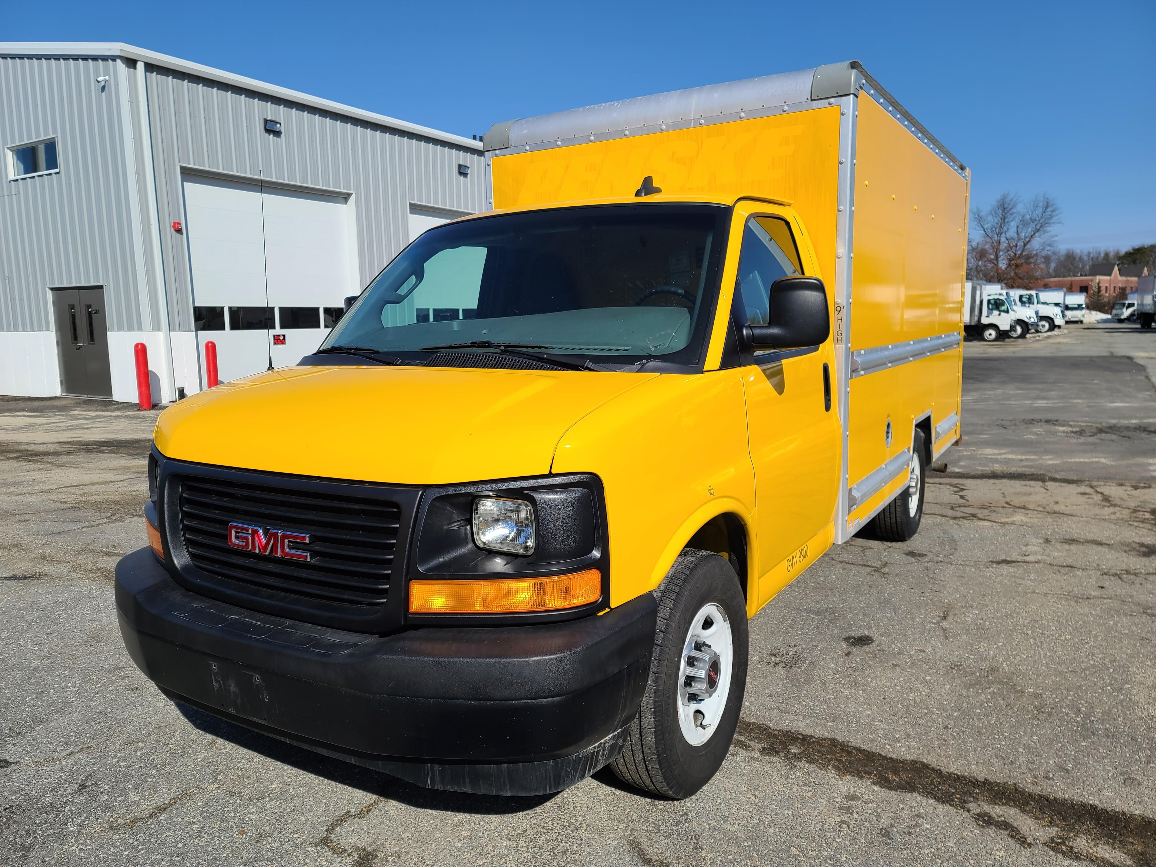 Used, 2017, GMC, Savana 3500 Cutaway Regular, Cab / Chassis Trucks