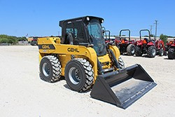 New, 2020, Gehl, V420 Vertical-Lift Skid Loader, Skid Steers