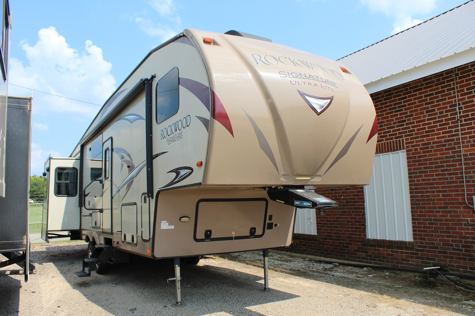 Used, 2018, Forest River, Rockwood Signature Ultra-Lite 8298WS, Fifth Wheels