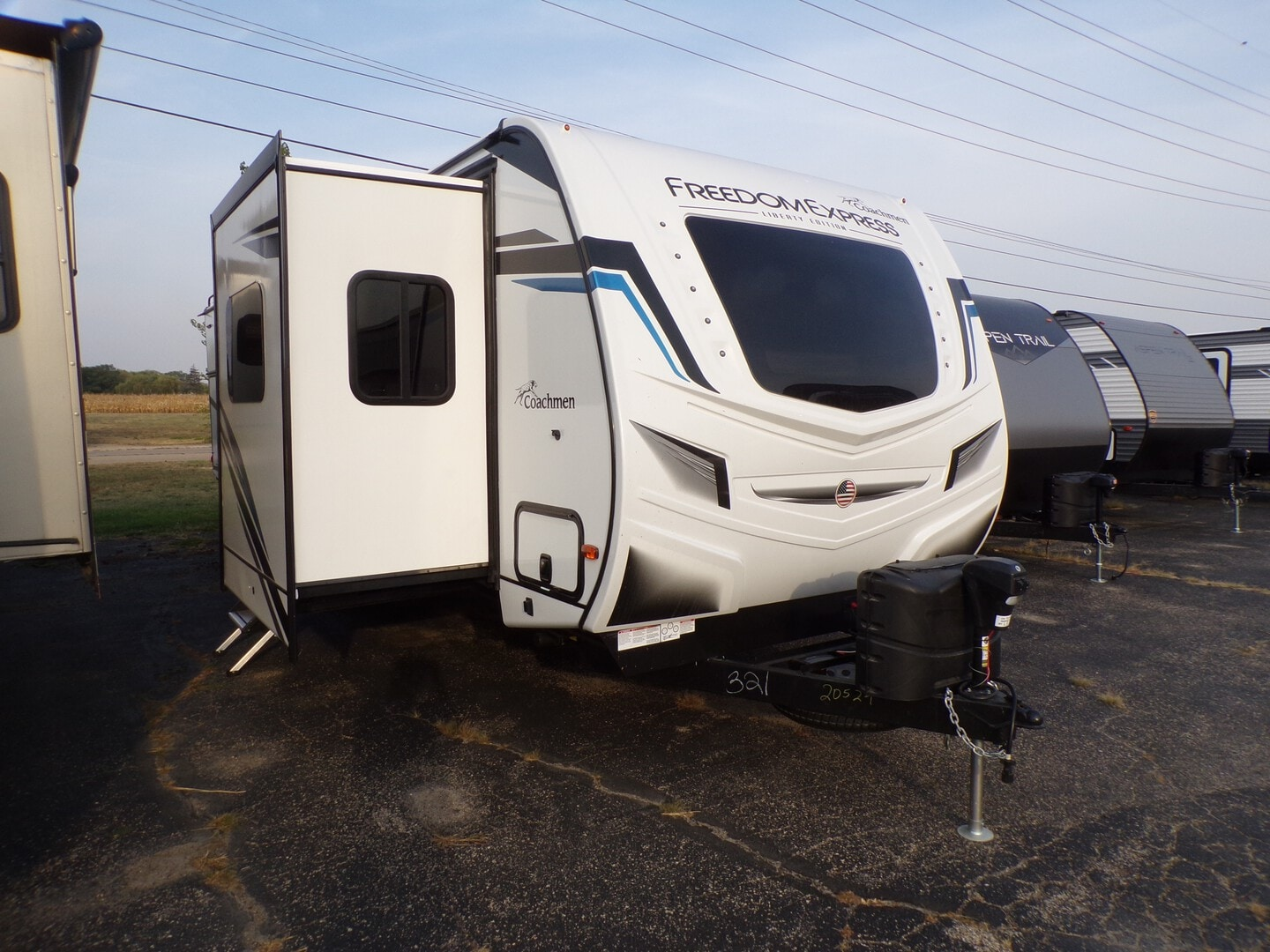 New, 2022, Freedom Express Liberty Edition, 321FEDSLE, Travel Trailers