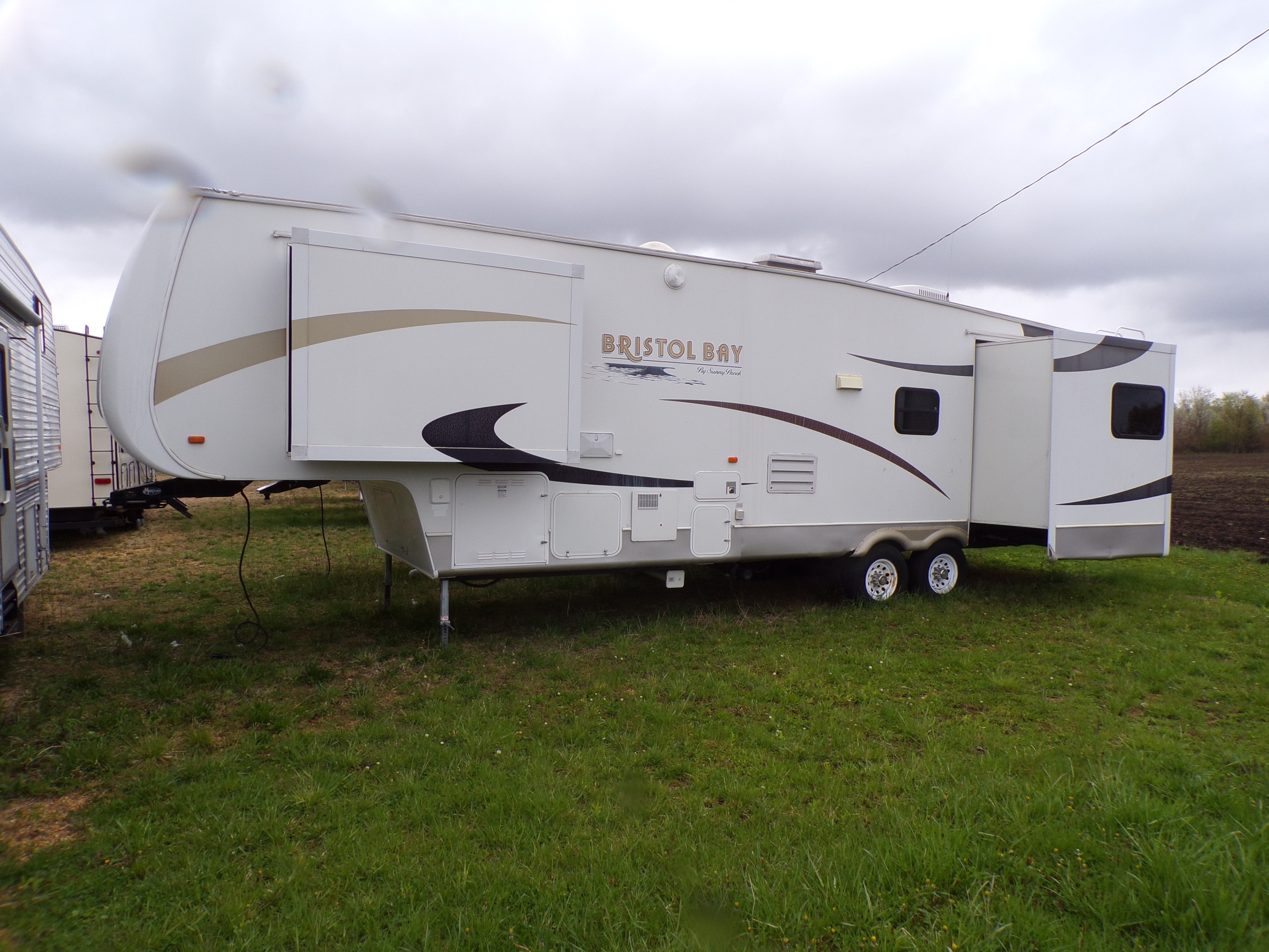 Used, 2007, Sunnybrook, Bristol Bay 3450TS, Fifth Wheels