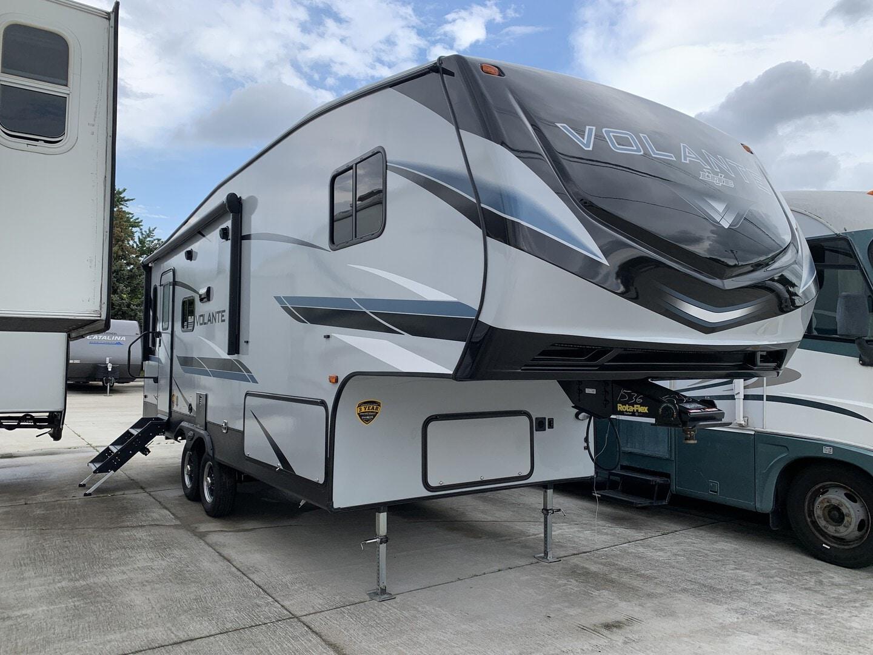 New, 2021, CrossRoads, Volante 240RL, Fifth Wheels