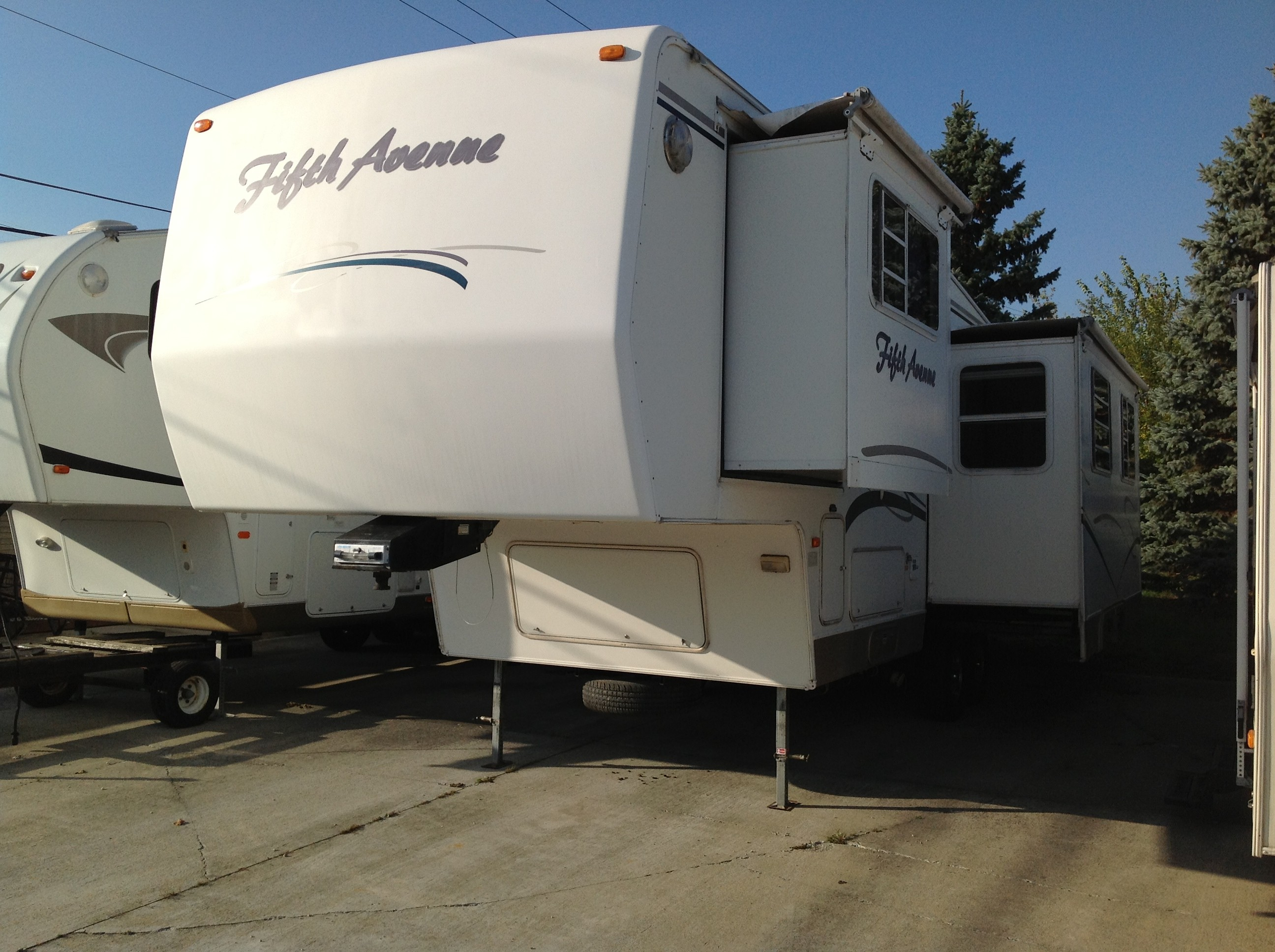 Used, 1999, Dutchmen, 30 RK Fifth Avenue, Fifth Wheels
