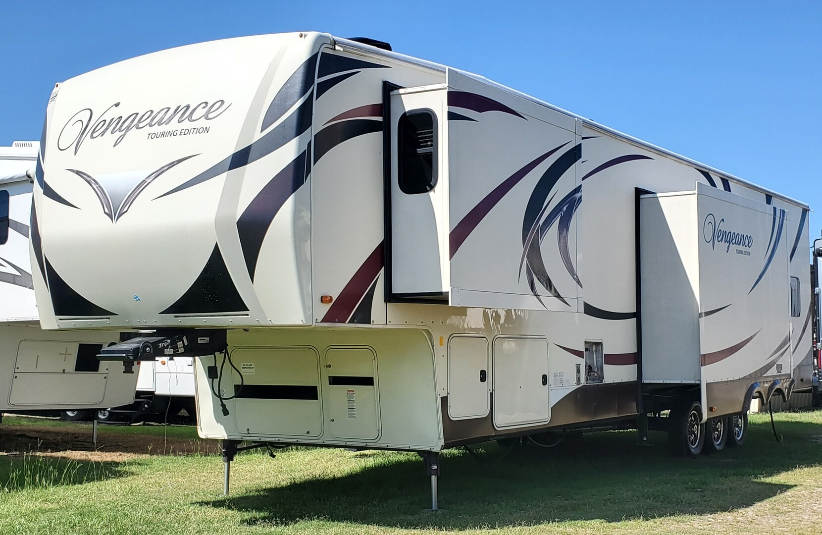 Used, 2015, Forest River, Vengeance Touring Edition 39R12, Toy Haulers