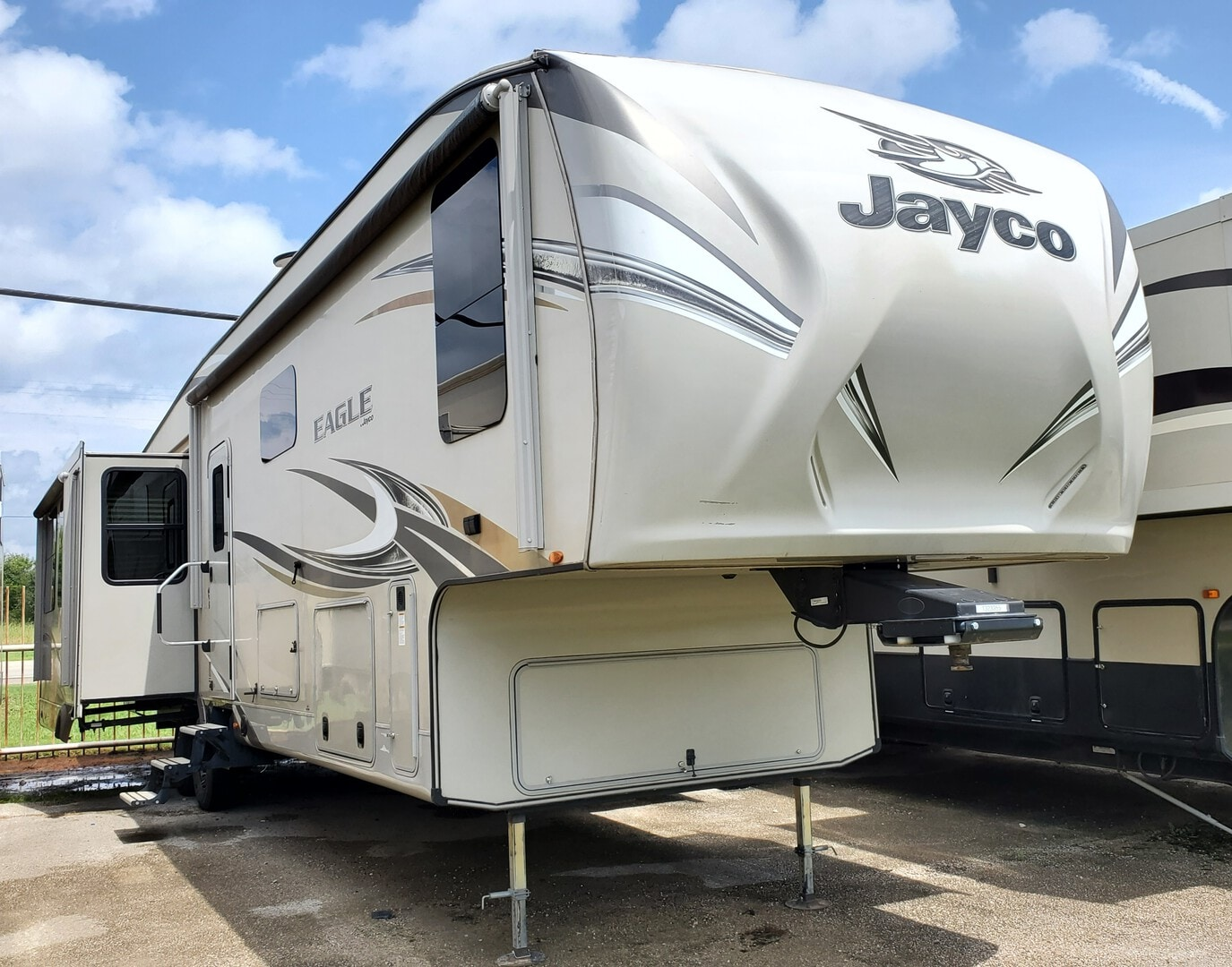 Used, 2017, Jayco, Eagle 355MBQS, Fifth Wheels