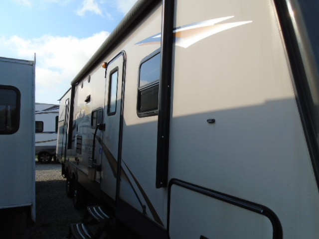 Used, 2014, Prime Time Manufacturing, Lacrosse Luxury Lite 318 BHS, Travel Trailers