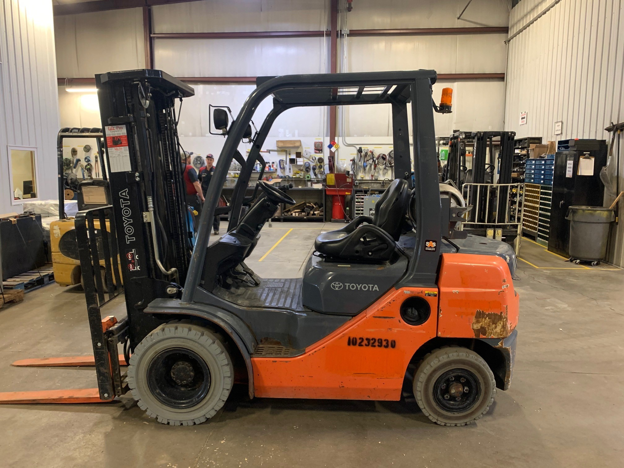 Used, 2014, Toyota Industrial Equipment, 8FGU25, Forklifts / Lift Trucks
