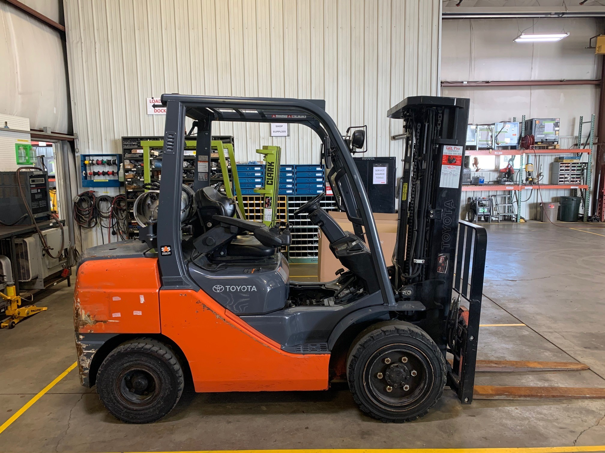 Used, 2013, Toyota Industrial Equipment, 8FGU32, Forklifts / Lift Trucks