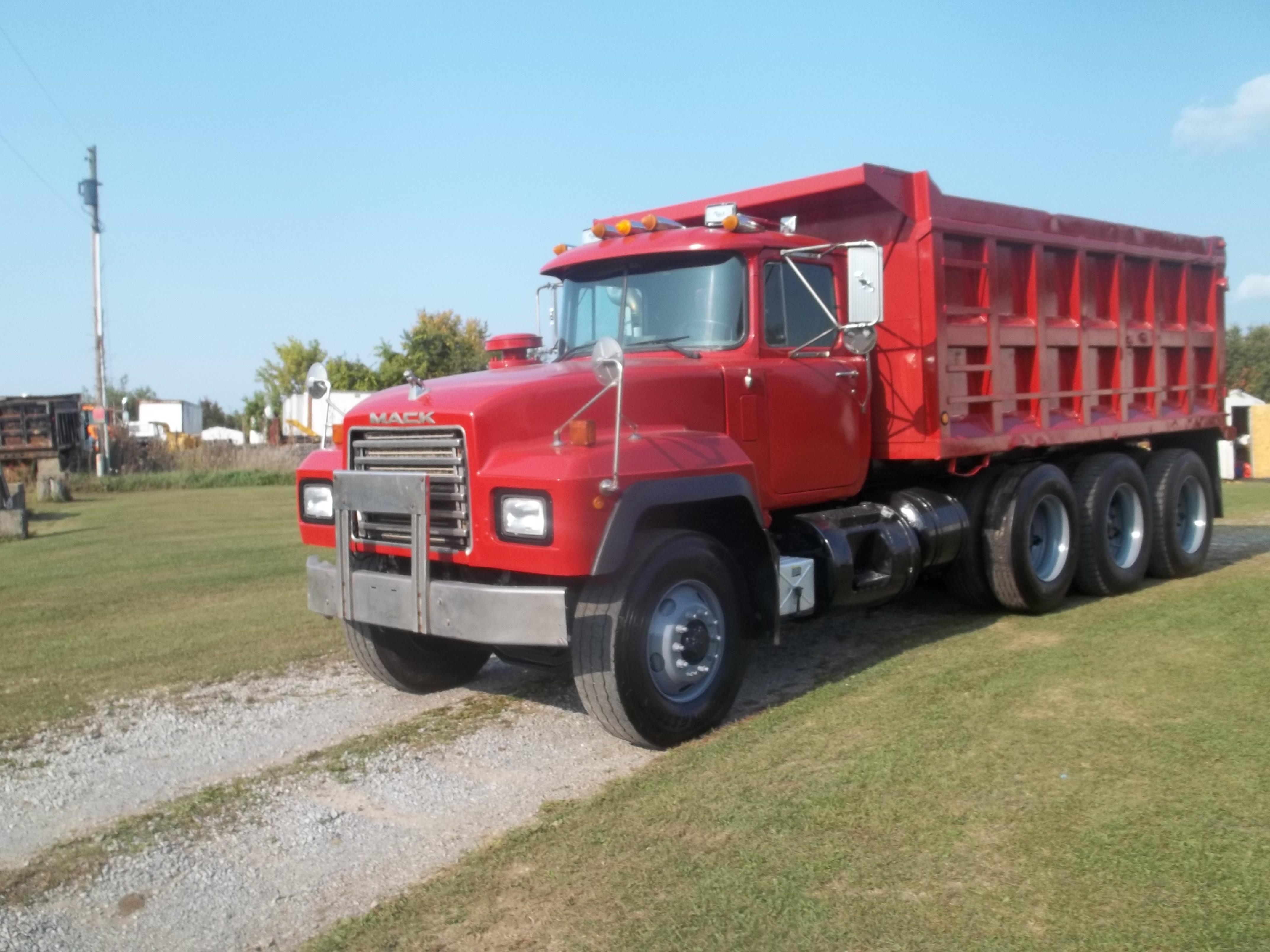 Used, 1997, Mack, RD 688S, Dump Trucks