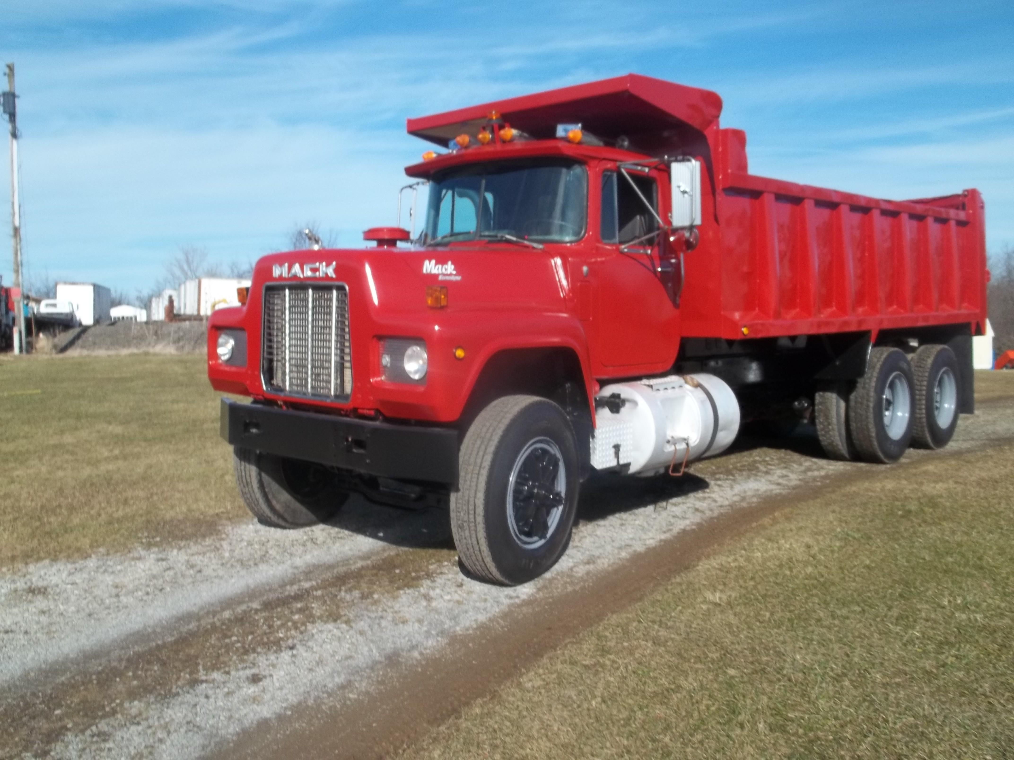 Used, 1989, Mack, RD 688, Dump Trucks