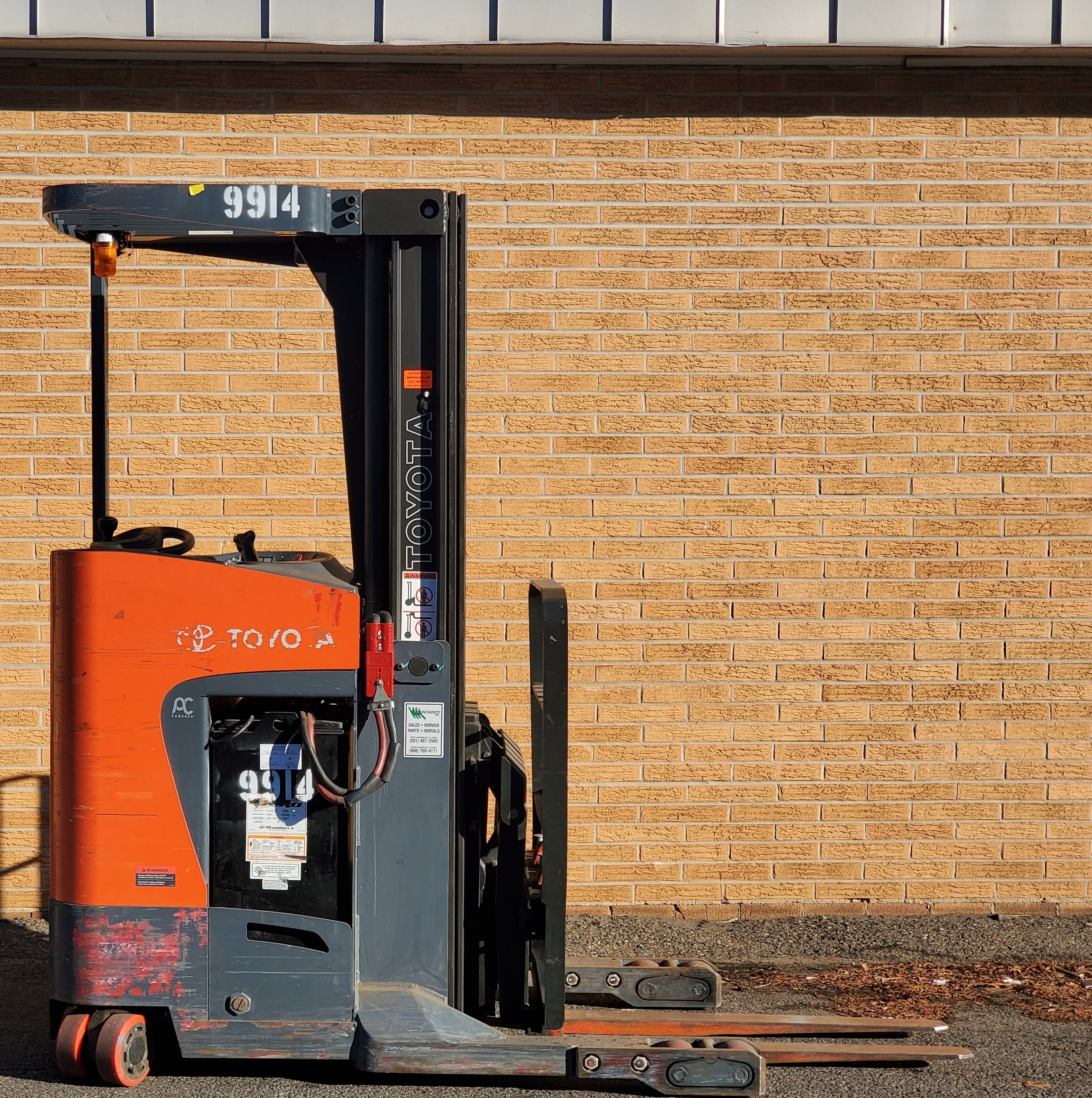 Used, 2015, Toyota Industrial Equipment, 8BRU18 Single Reach, Forklifts / Lift Trucks