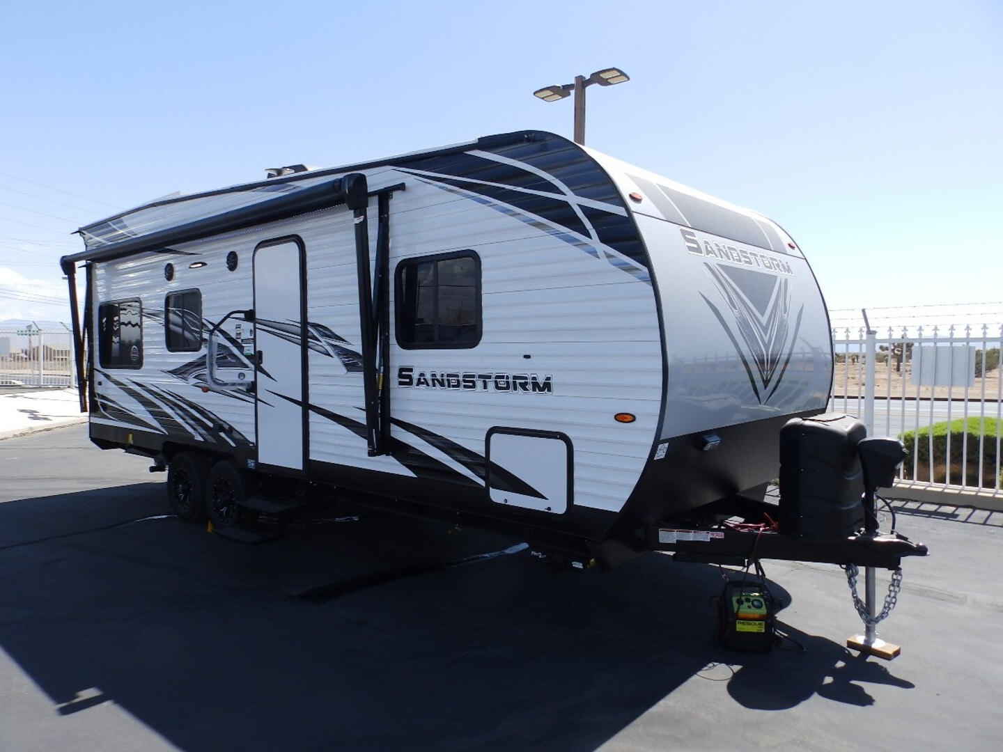 New, 2022, Forest River, SANDSTORM 211SLC, FRONT SLEEPER, SINGLE ELECTRIC BED, CAPTAIN CHAIRS, 260 WATT SOLAR PANEL, 4000 WATT GENERATOR, ARCTIC PACKAGE, Toy Haulers