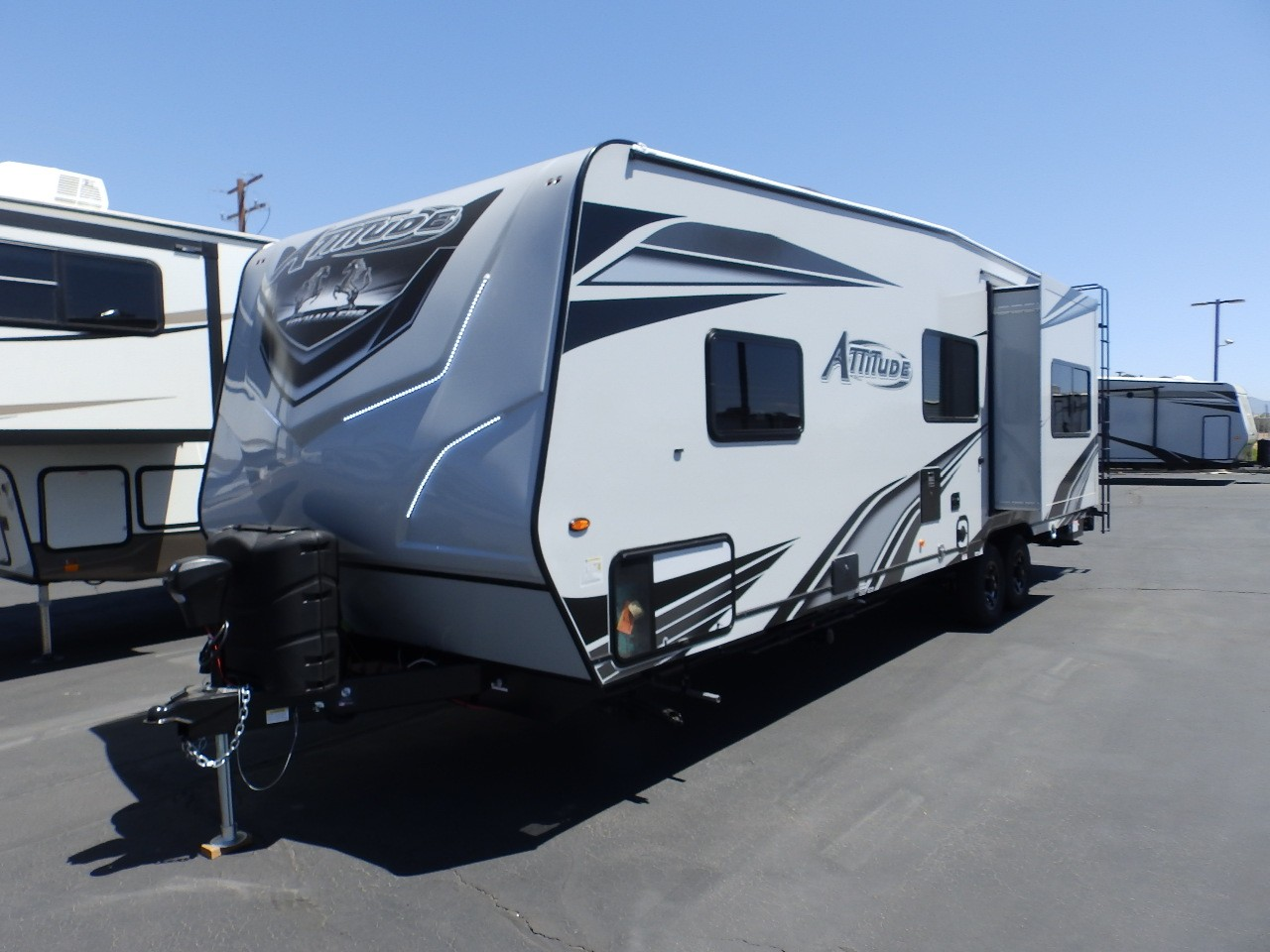 New, 2022, Eclipse, ATTITUDE 27SA, 1 SLIDE, FRONT PRIVATE BEDROOM, REAR ELECTRIC DINETTE, ONAN 4000, 330 WATT SOLAR, INVERTER, POWER AWNING, Toy Haulers