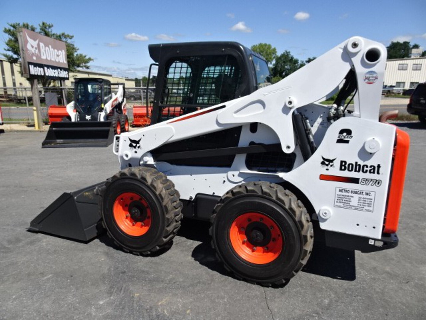 Used, 2015, Bobcat, S770 SKID STEER LOADER - 92 HP TURBO CHARGED KUBOTA V3800 DIESEL ENGINE (iT4) - 1873 HOURS - DELUXE KEYLESS START - HIGH FLOW W/7 PIN ATTACHMENT CONTROL KIT, Skid Steers