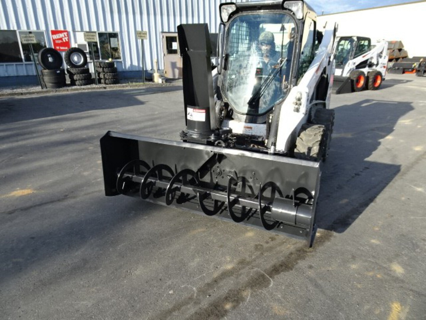 """Used, 2003, Bobcat, SB200 72"""" Snow Blower - Flow Range: 16.5 – 21 gpm - 20 in. Fan Diameter 14 in. Auger Diameter - Up to 40 ft. Throw Distance, Snowblowers"""