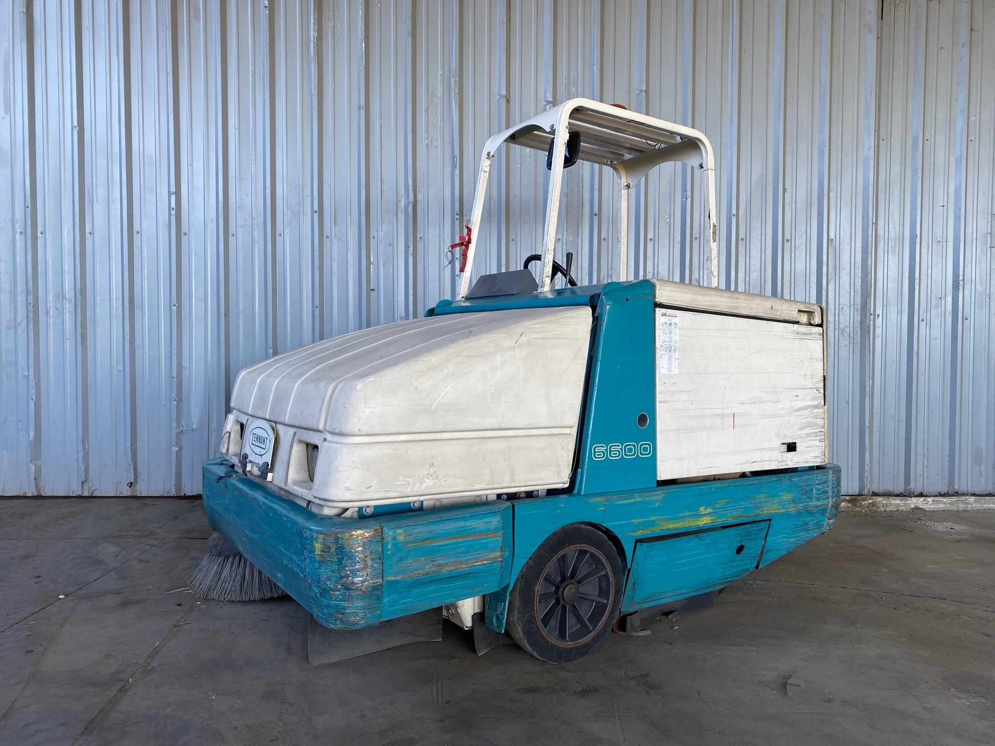 Used, 2010, Tennant, 6600, Floor Cleaning Equipment