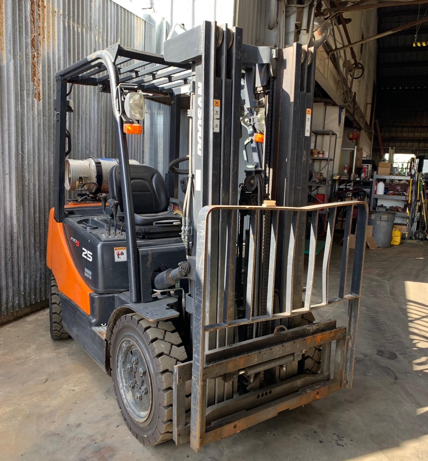 Used, 2015, Doosan Industrial Vehicle, G25P-5, Forklifts / Lift Trucks