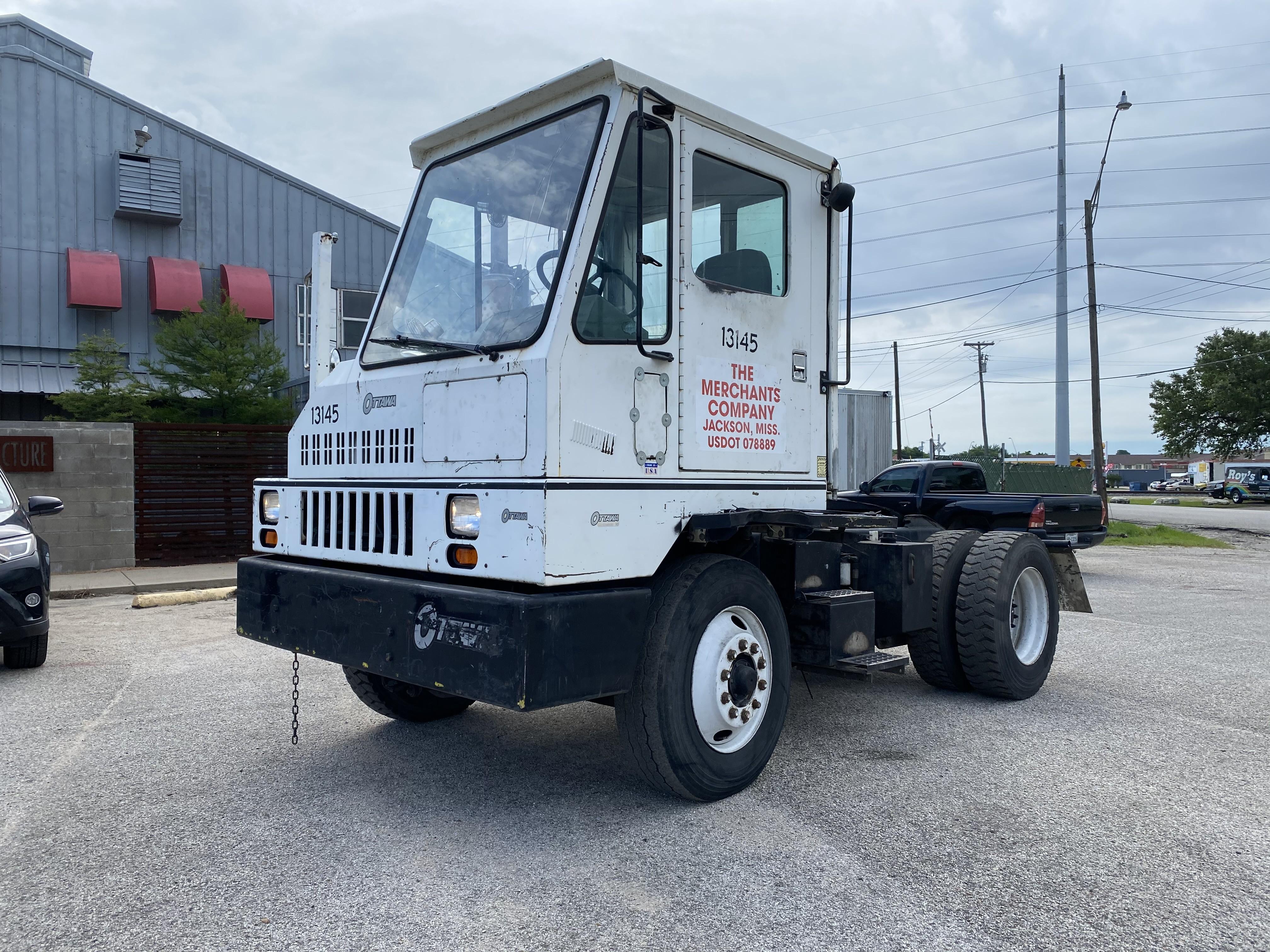 Used, 2000, Ottawa, 30, Yard Spotter Trucks